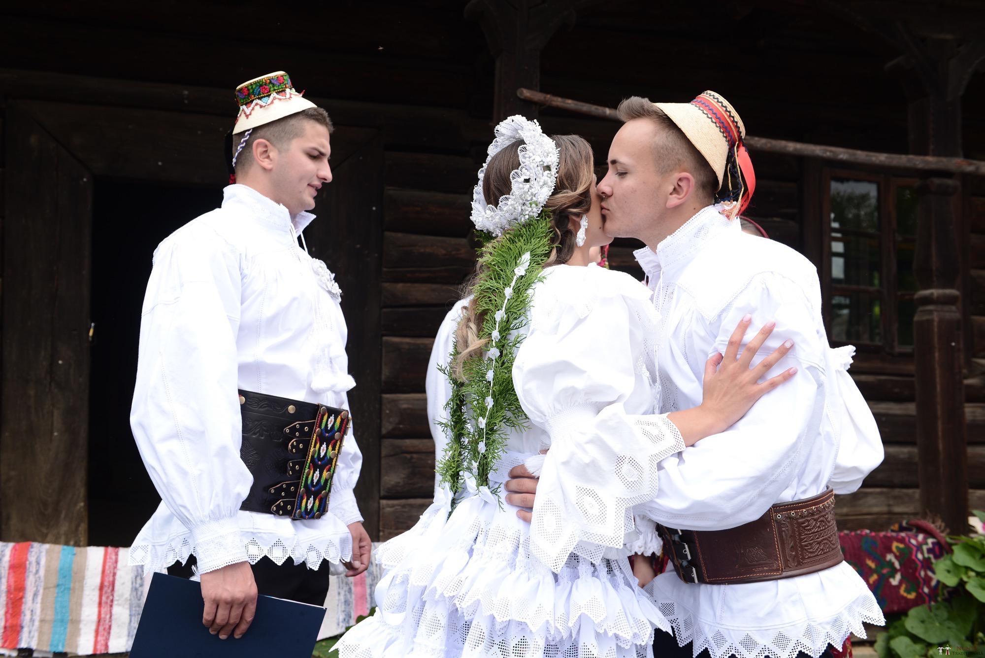 Povești Nunți Tradiționale - Florentina Vlad și Lemnean Ionuț. Cununie tradițională în Baia Mare 22