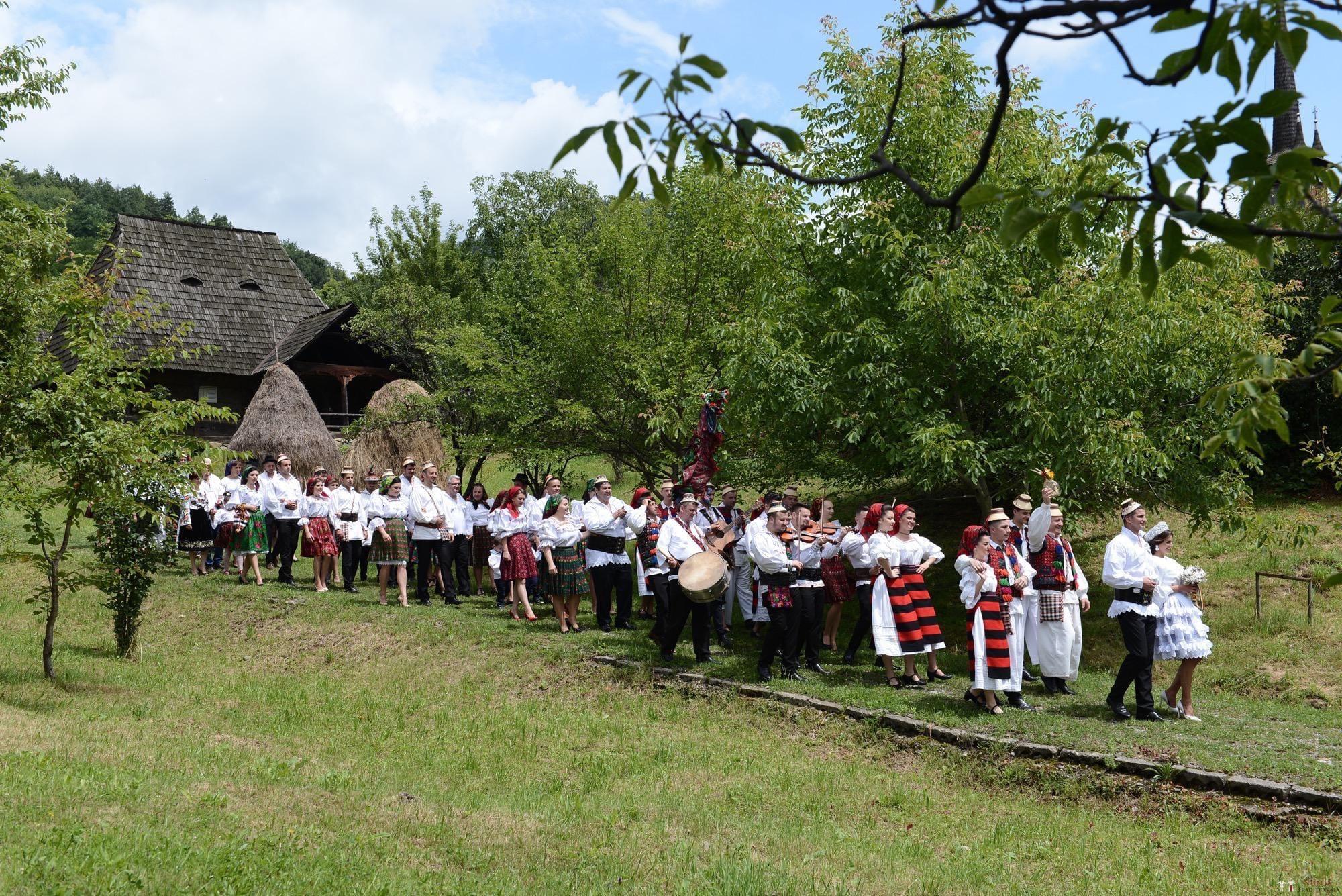 Povești Nunți Tradiționale - Florentina Vlad și Lemnean Ionuț. Cununie tradițională în Baia Mare 24