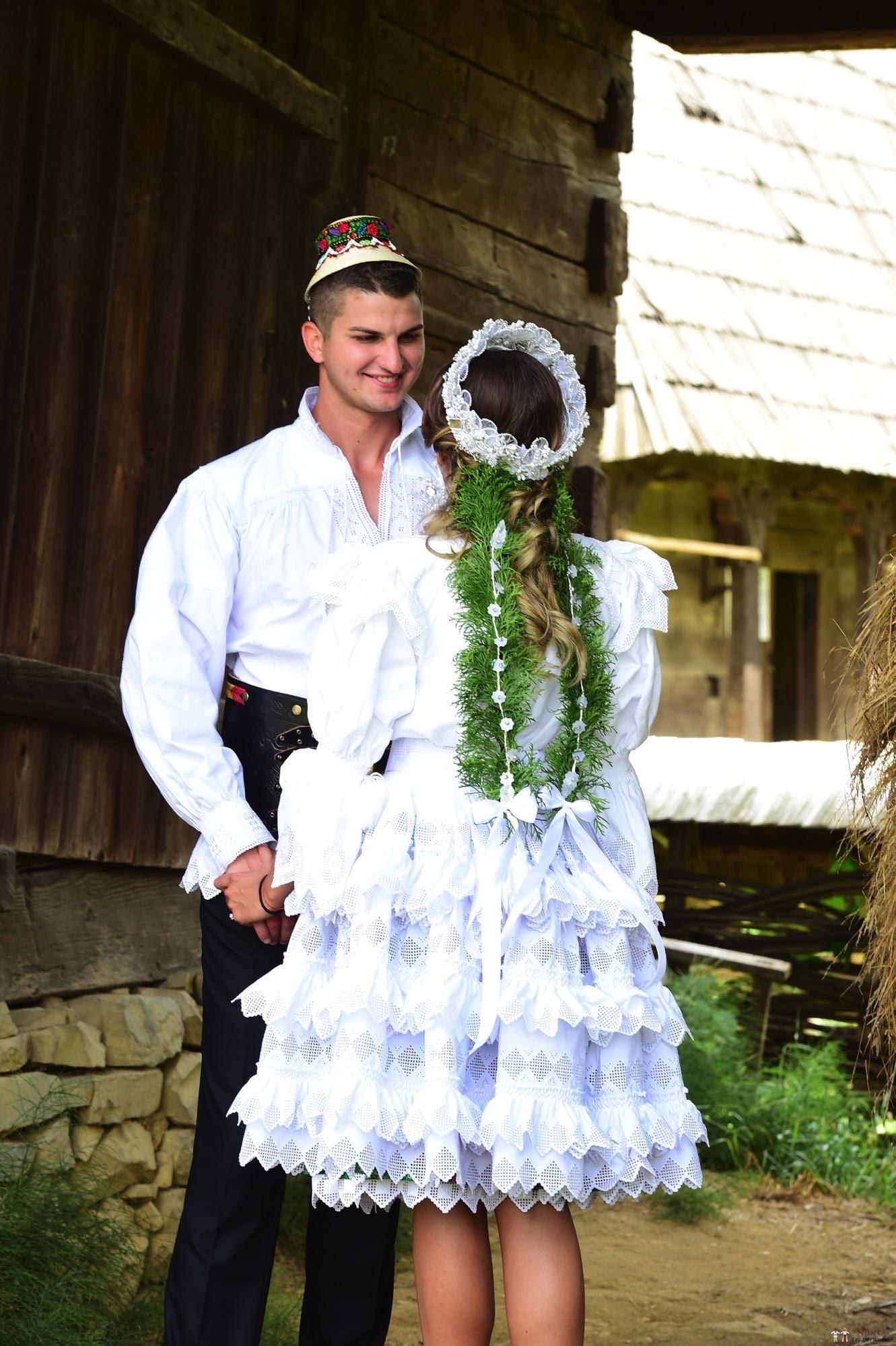 Povești Nunți Tradiționale - Florentina Vlad și Lemnean Ionuț. Cununie tradițională în Baia Mare 6