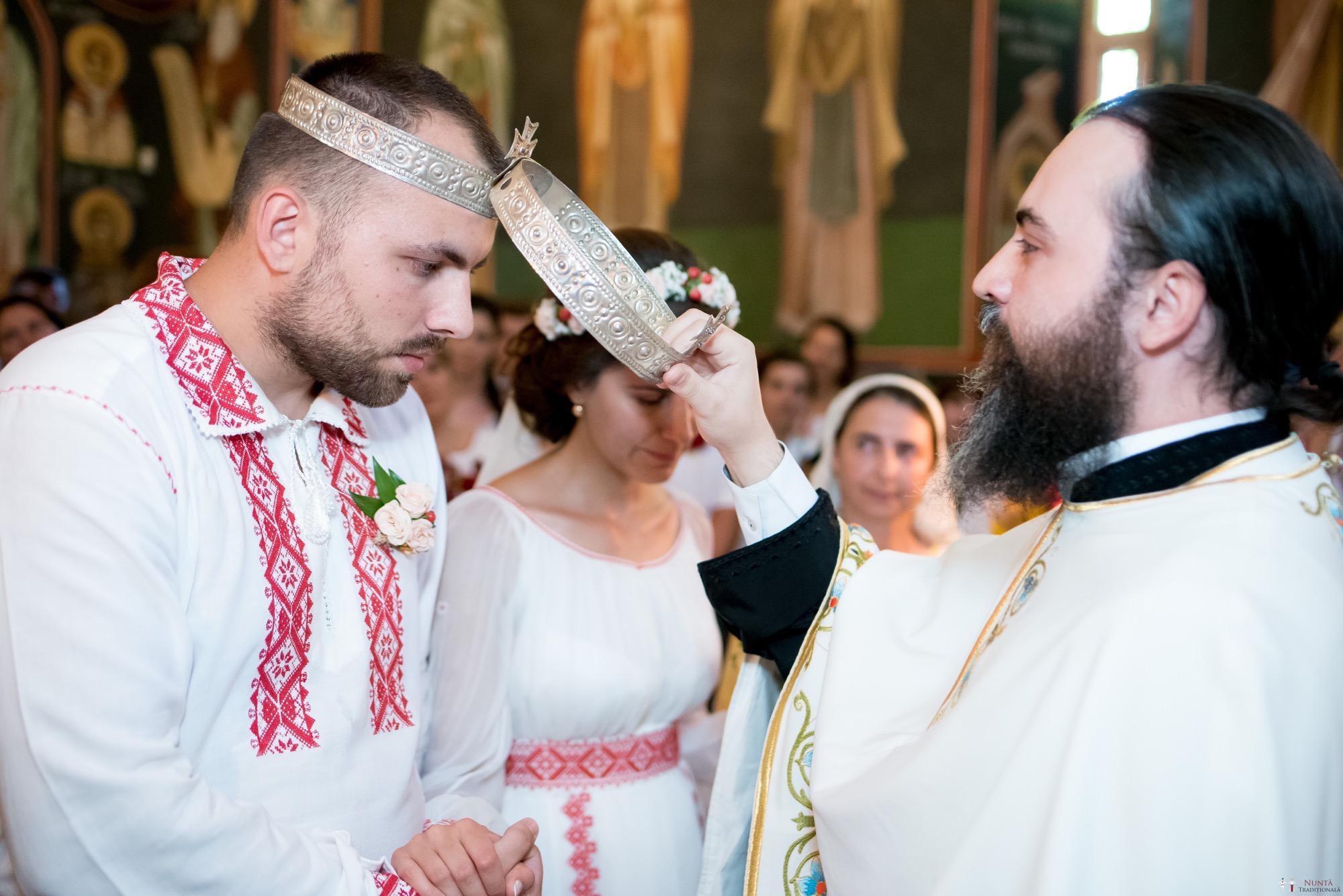 Povești Nunți Tradiționale - Oana și Silviu. Nuntă tradițional românească în București 9