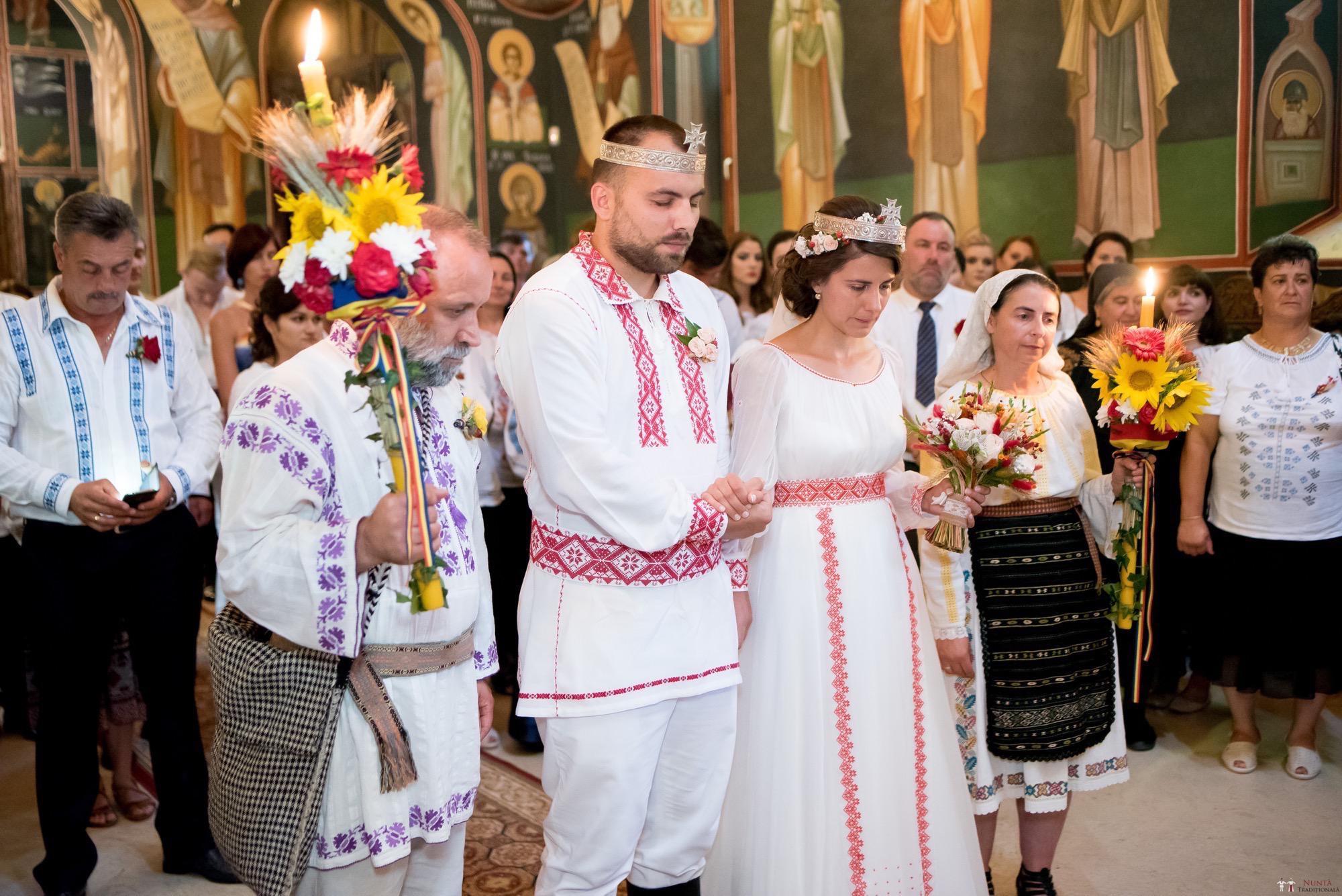 Povești Nunți Tradiționale - Oana și Silviu. Nuntă tradițional românească în București 10