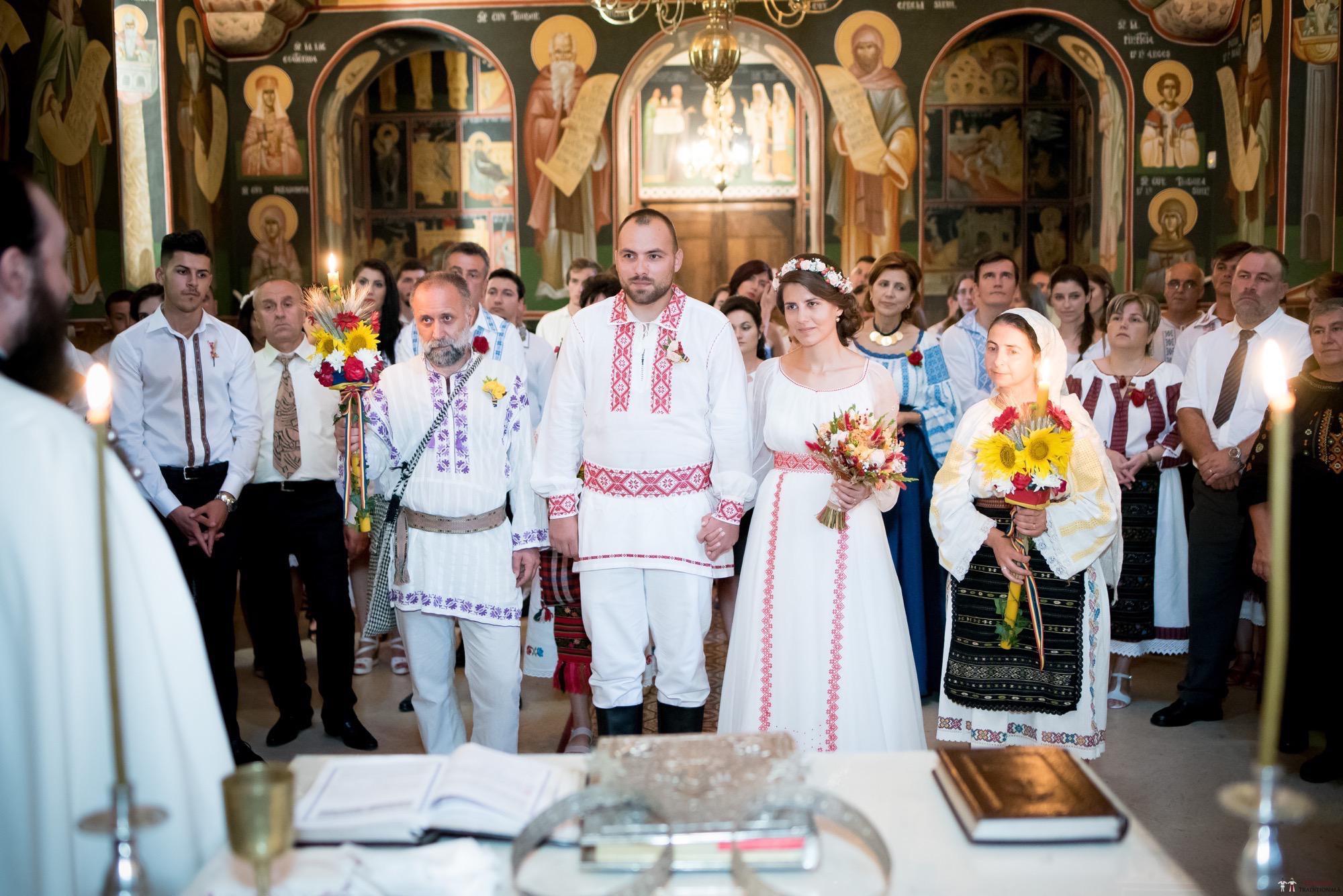 Povești Nunți Tradiționale - Oana și Silviu. Nuntă tradițional românească în București 12
