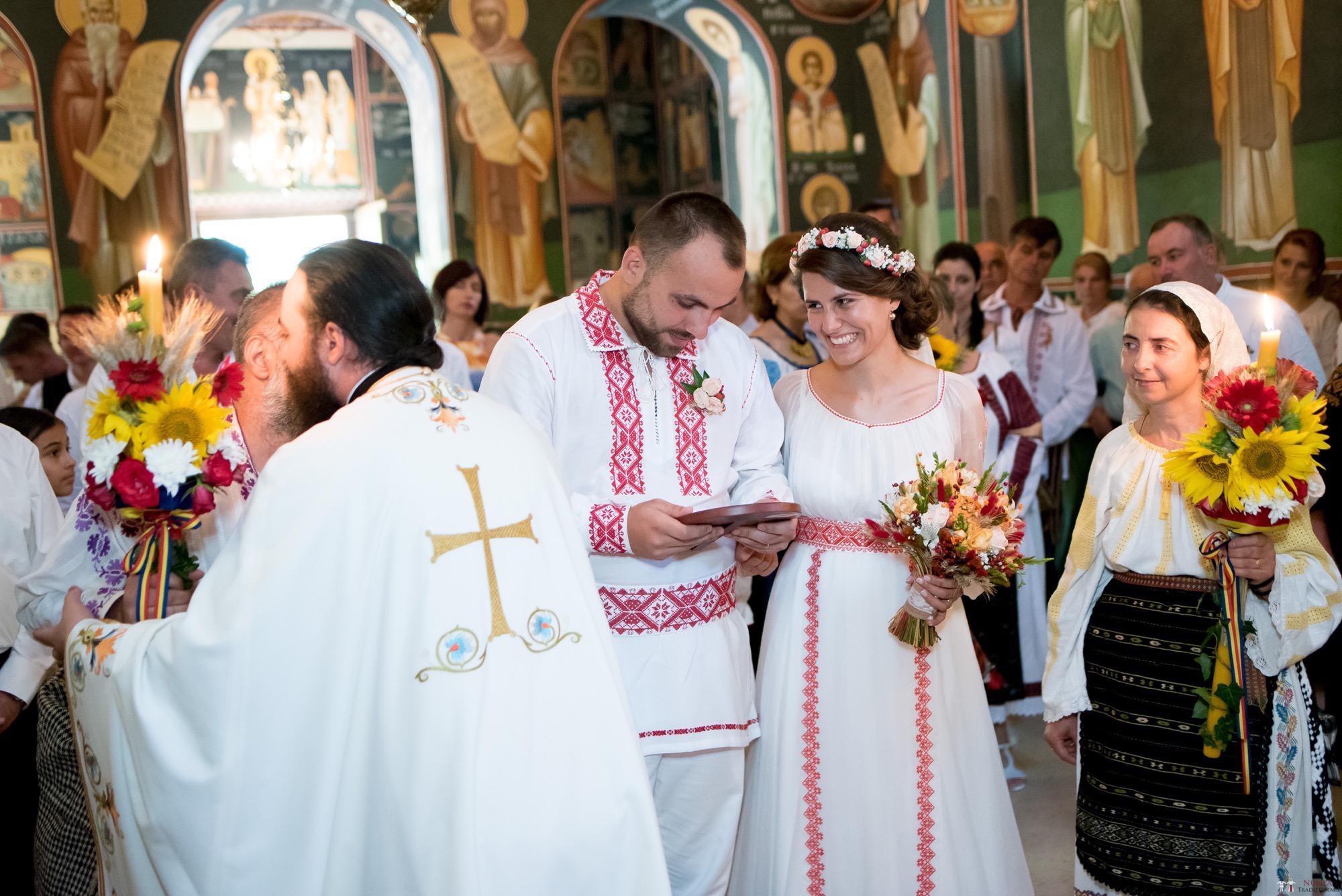 Povești Nunți Tradiționale - Oana și Silviu. Nuntă tradițional românească în București 13