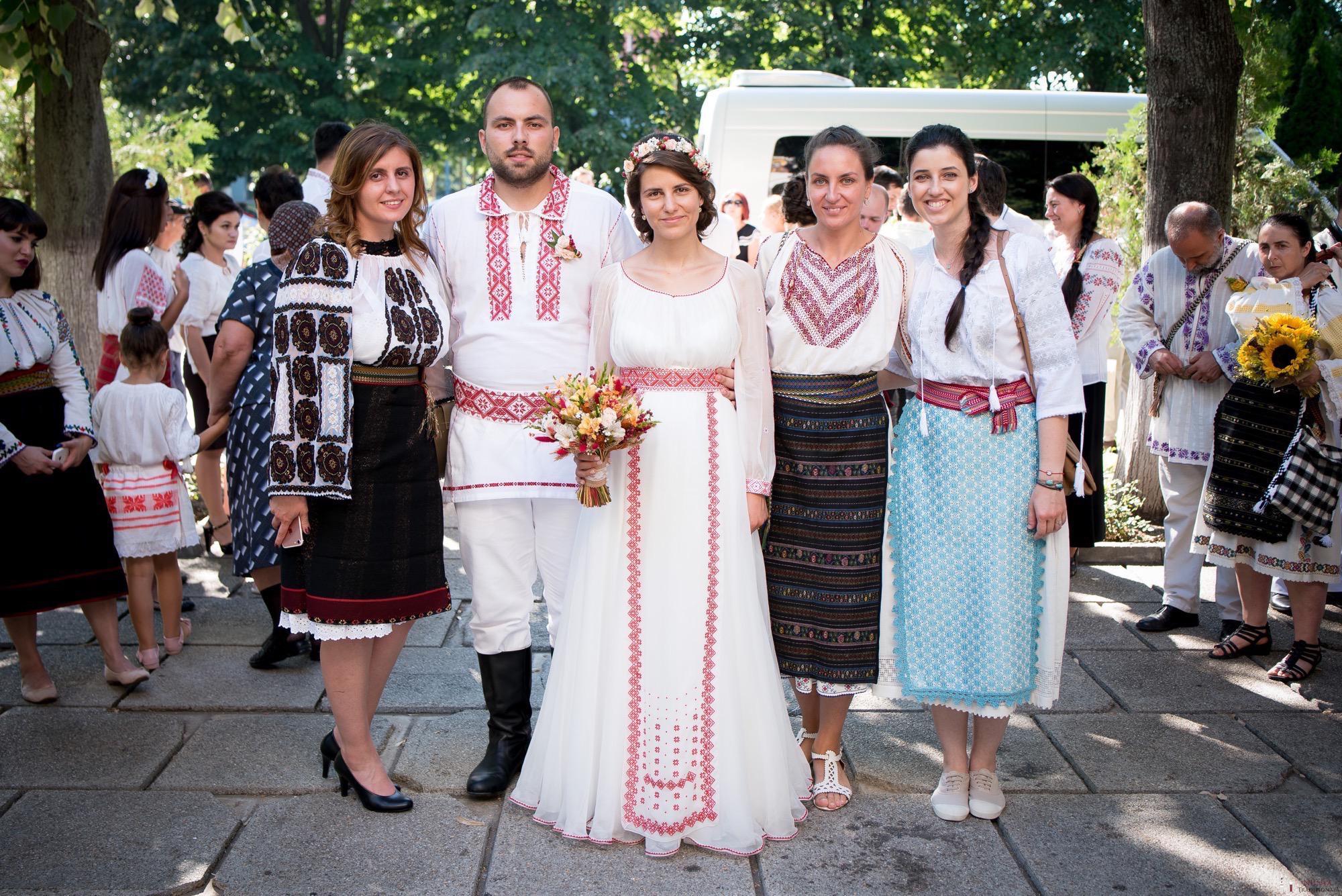 Povești Nunți Tradiționale - Oana și Silviu. Nuntă tradițional românească în București 15
