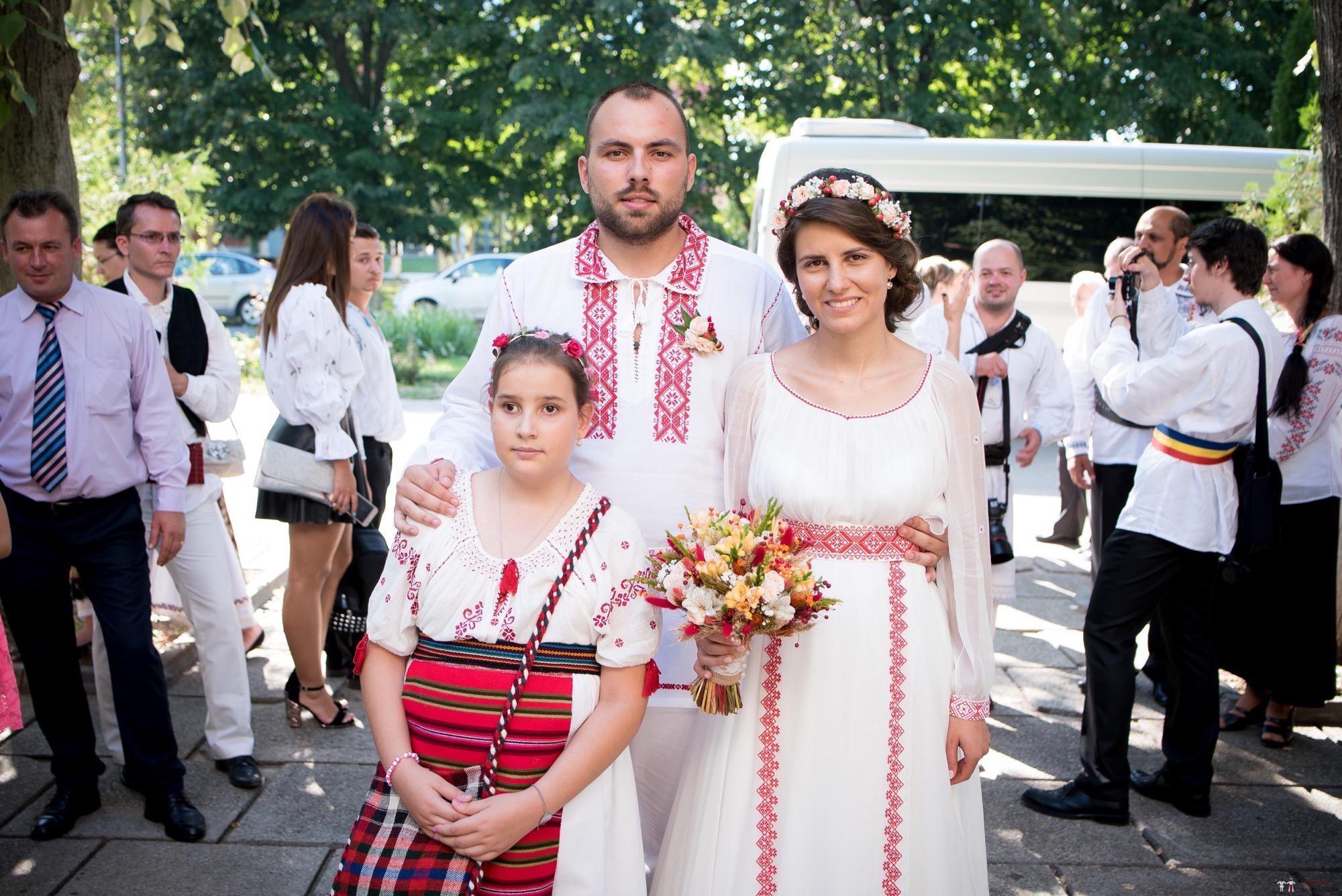 Povești Nunți Tradiționale - Oana și Silviu. Nuntă tradițional românească în București 16