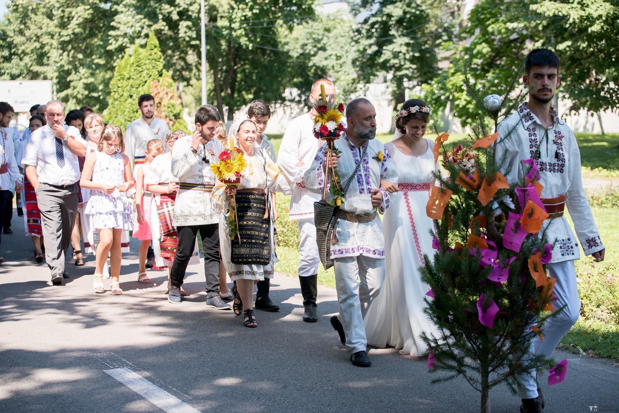 Povești Nunți Tradiționale - Oana și Silviu. Nuntă tradițional românească în București 1