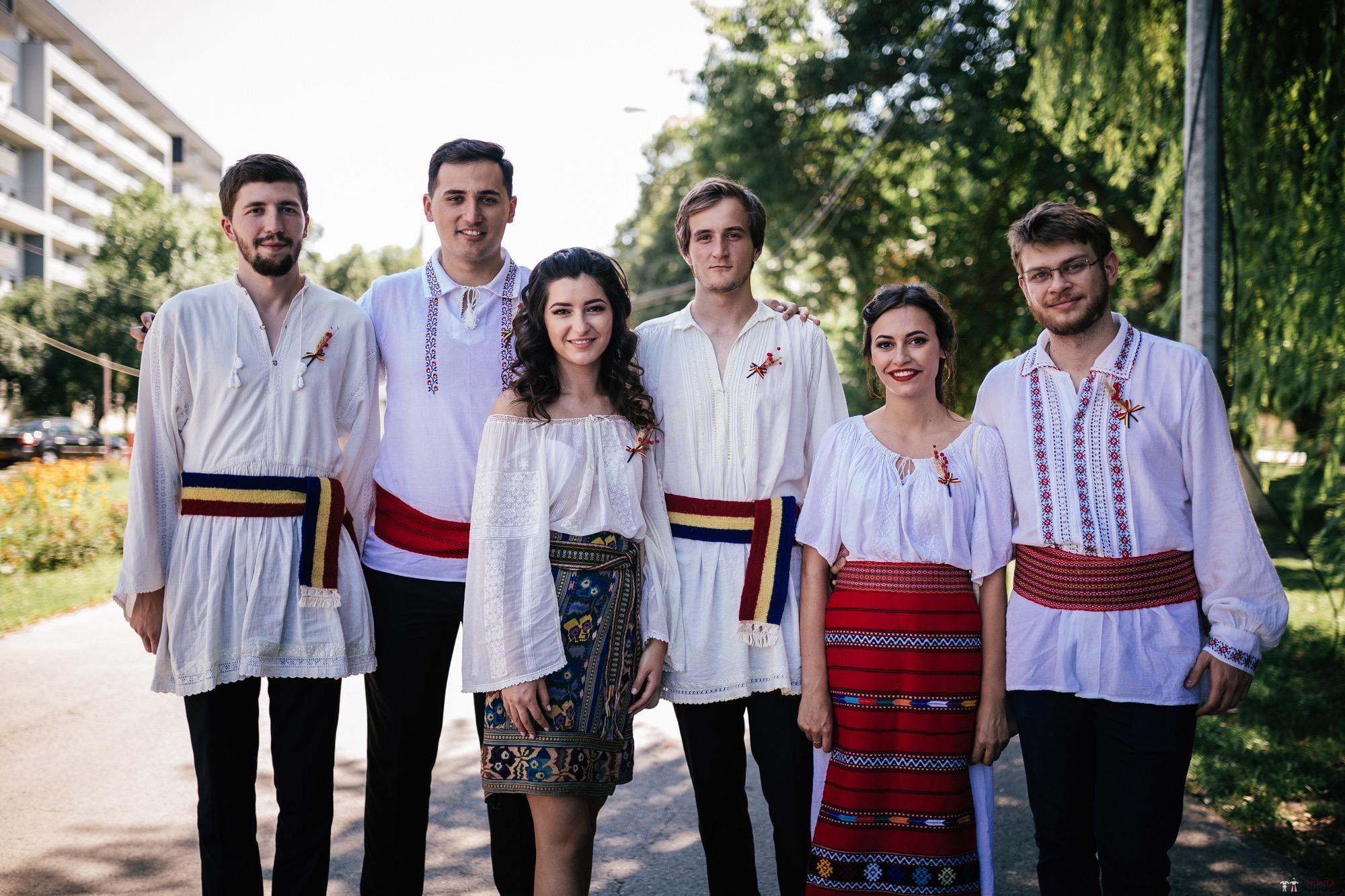 Povești Nunți Tradiționale - Oana și Silviu. Nuntă tradițional românească în București 20