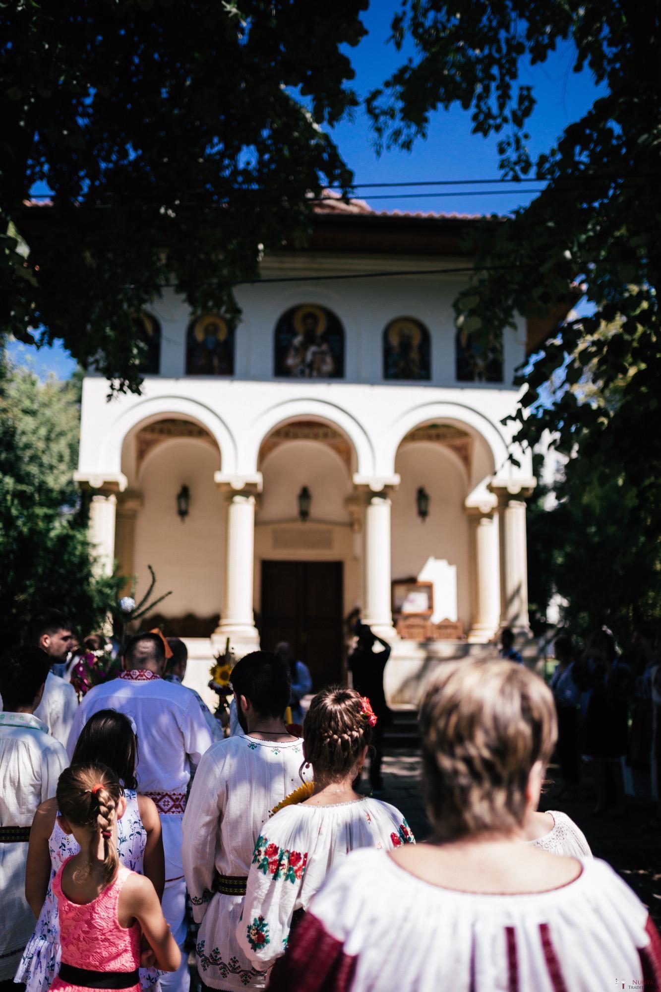 Povești Nunți Tradiționale - Oana și Silviu. Nuntă tradițional românească în București 25