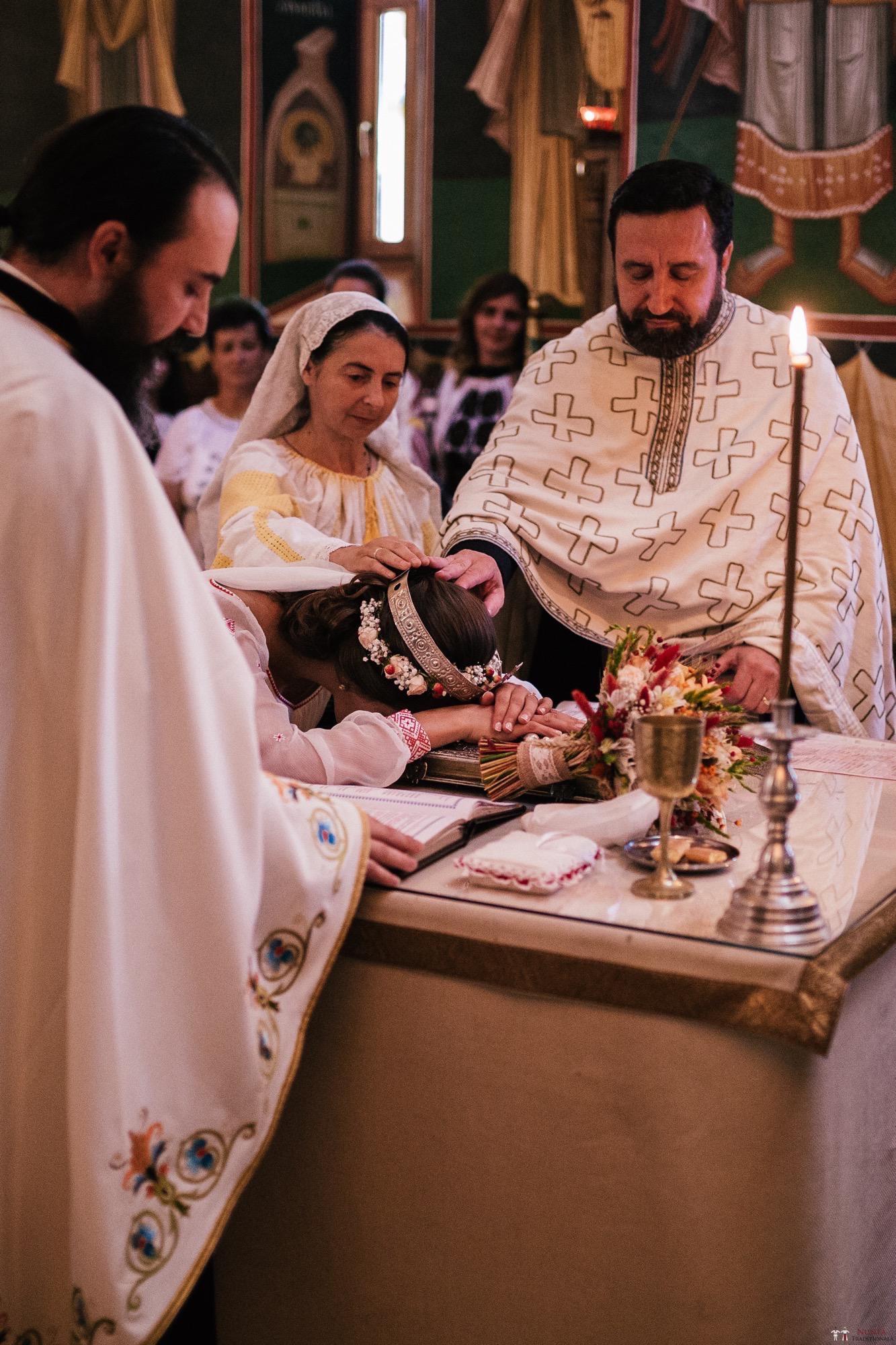 Povești Nunți Tradiționale - Oana și Silviu. Nuntă tradițional românească în București 27