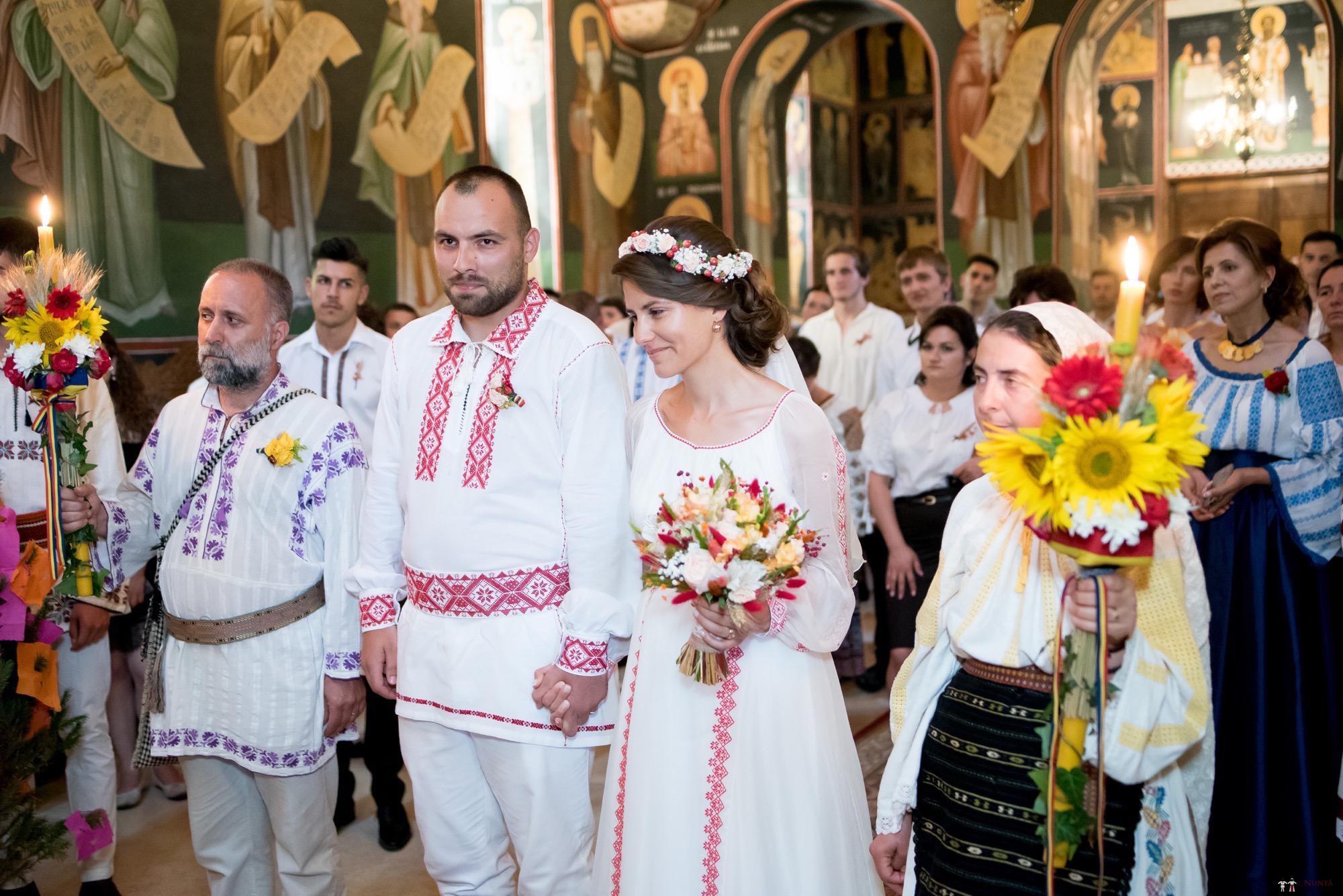 Povești Nunți Tradiționale - Oana și Silviu. Nuntă tradițional românească în București 6