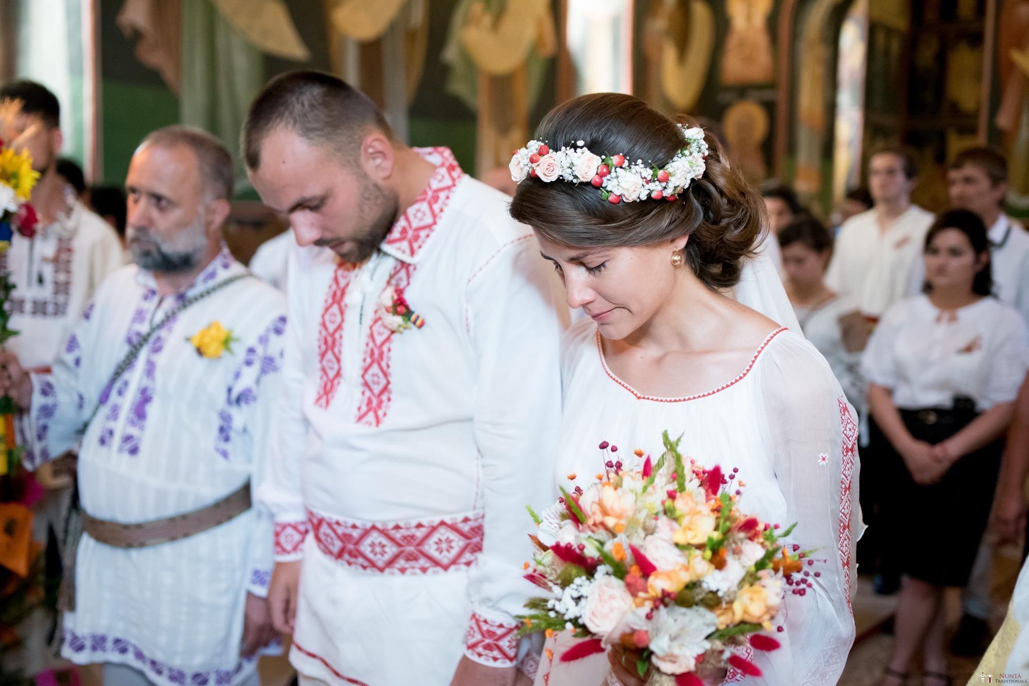Povești Nunți Tradiționale - Oana și Silviu. Nuntă tradițional românească în București 7