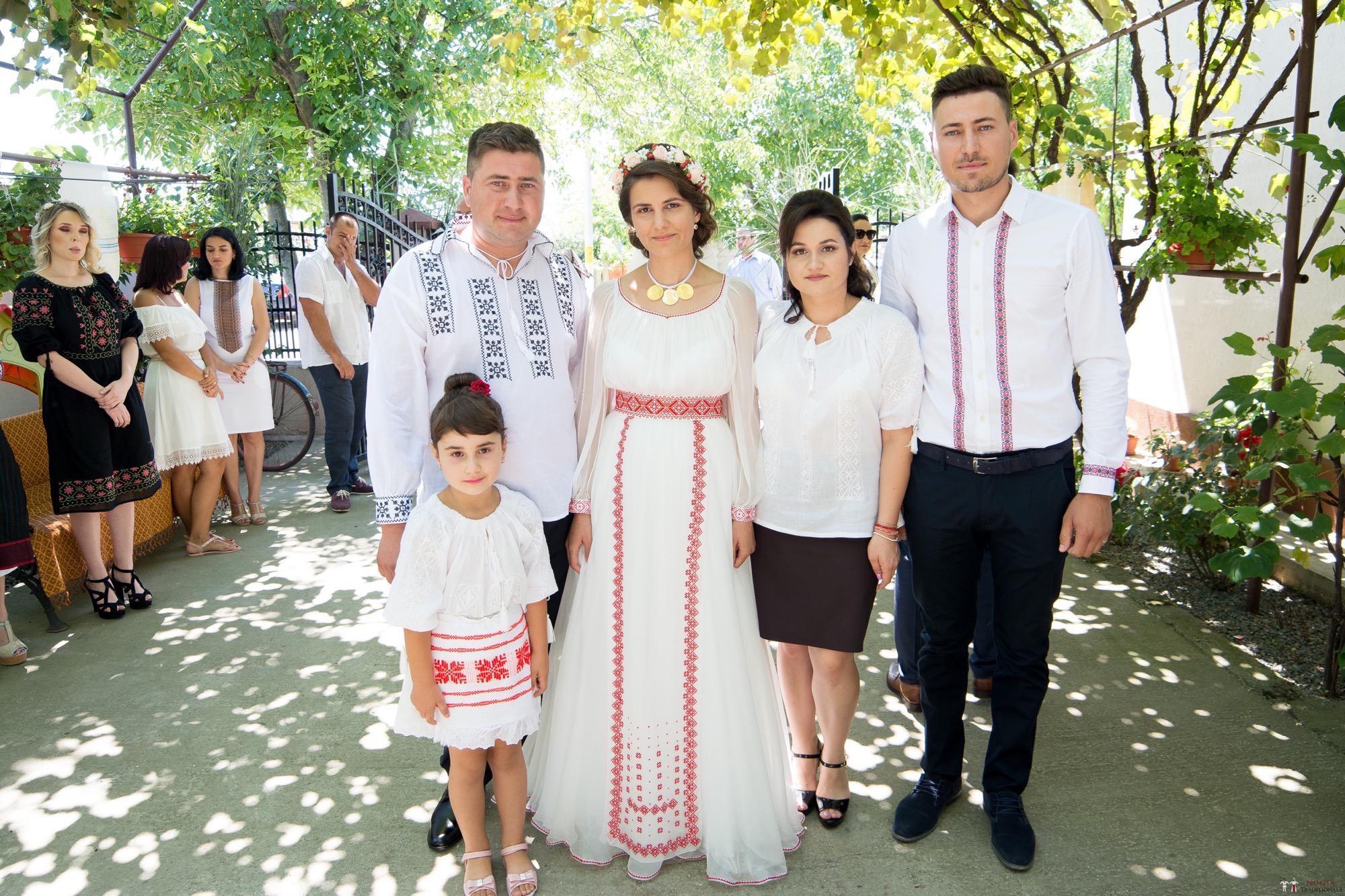 Povești Nunți Tradiționale - Oana și Silviu. Nuntă tradițional românească în București 40