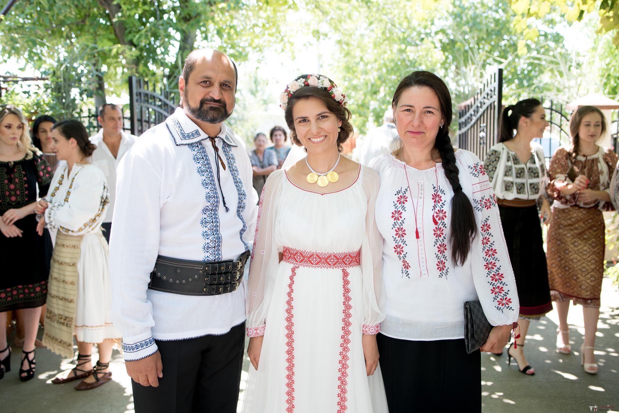 Povești Nunți Tradiționale - Oana și Silviu. Nuntă tradițional românească în București 41