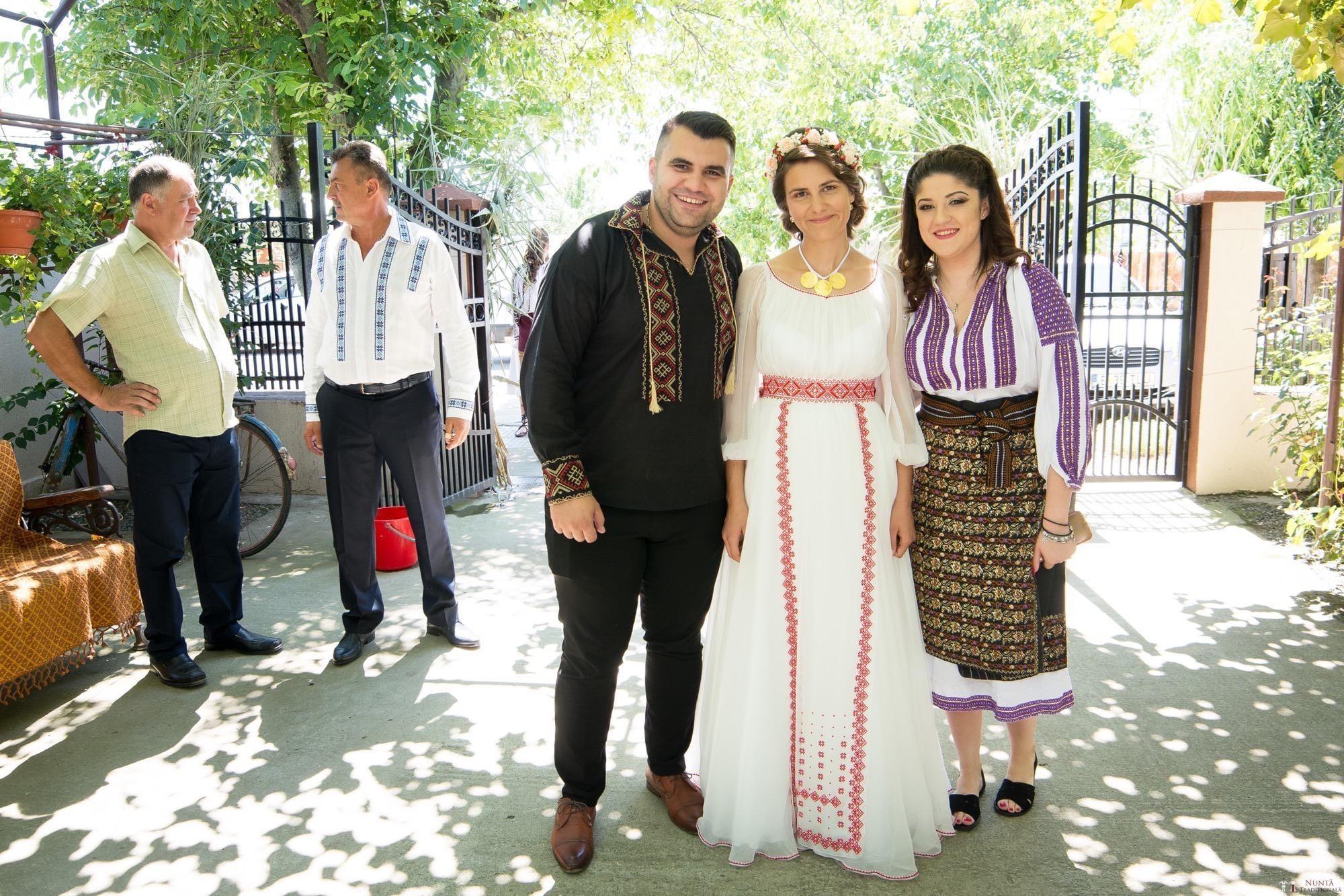 Povești Nunți Tradiționale - Oana și Silviu. Nuntă tradițional românească în București 46
