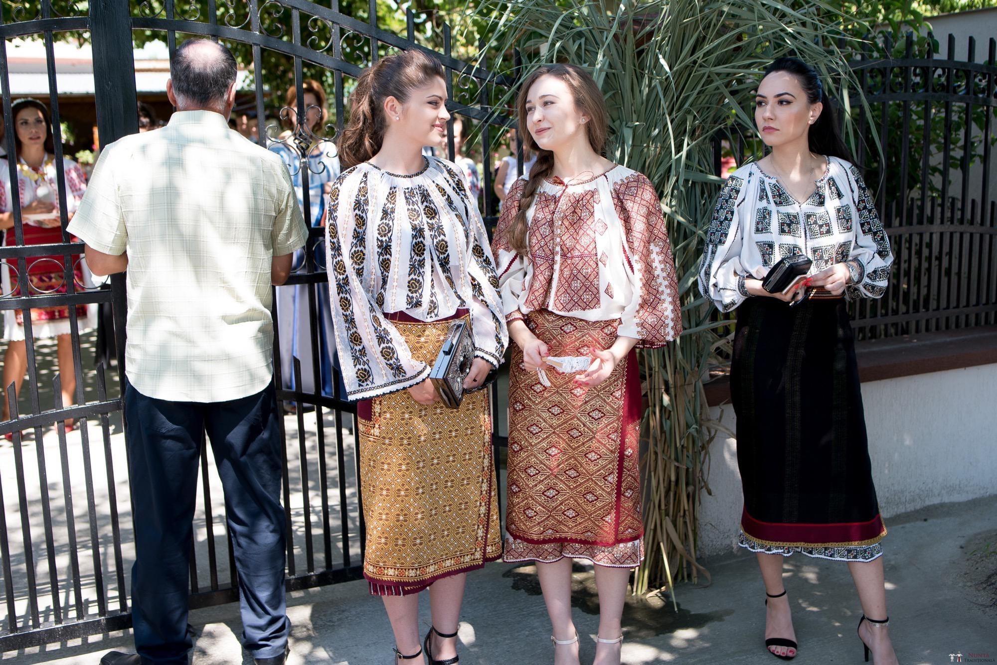 Povești Nunți Tradiționale - Oana și Silviu. Nuntă tradițional românească în București 49