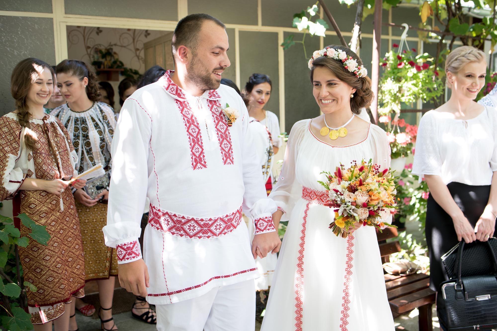 Povești Nunți Tradiționale - Oana și Silviu. Nuntă tradițional românească în București 54