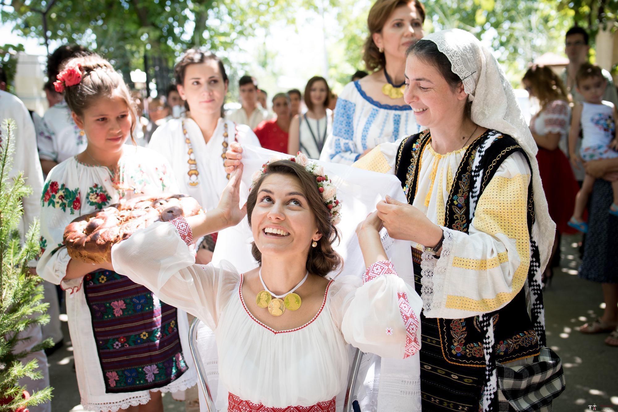 Povești Nunți Tradiționale - Oana și Silviu. Nuntă tradițional românească în București 55