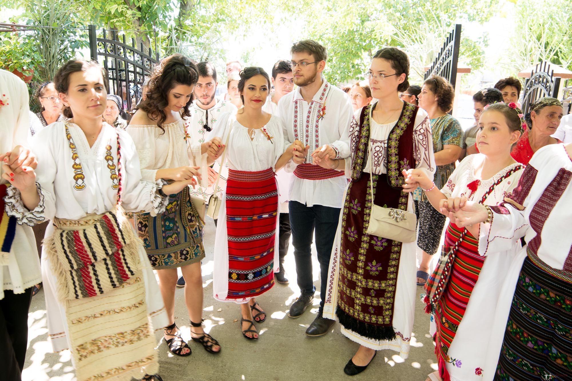 Povești Nunți Tradiționale - Oana și Silviu. Nuntă tradițional românească în București 57
