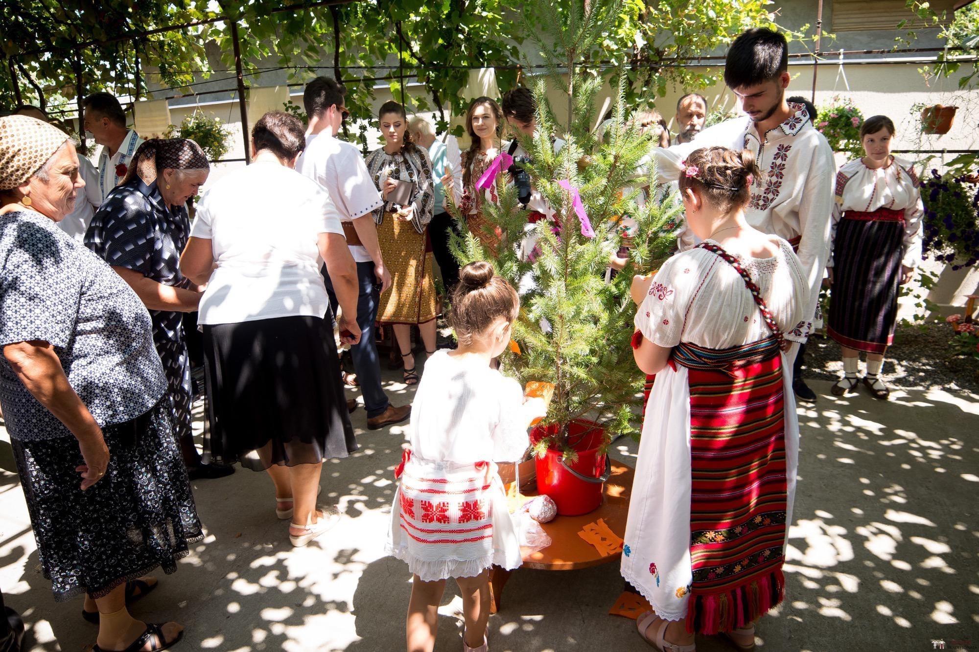 Povești Nunți Tradiționale - Oana și Silviu. Nuntă tradițional românească în București 58