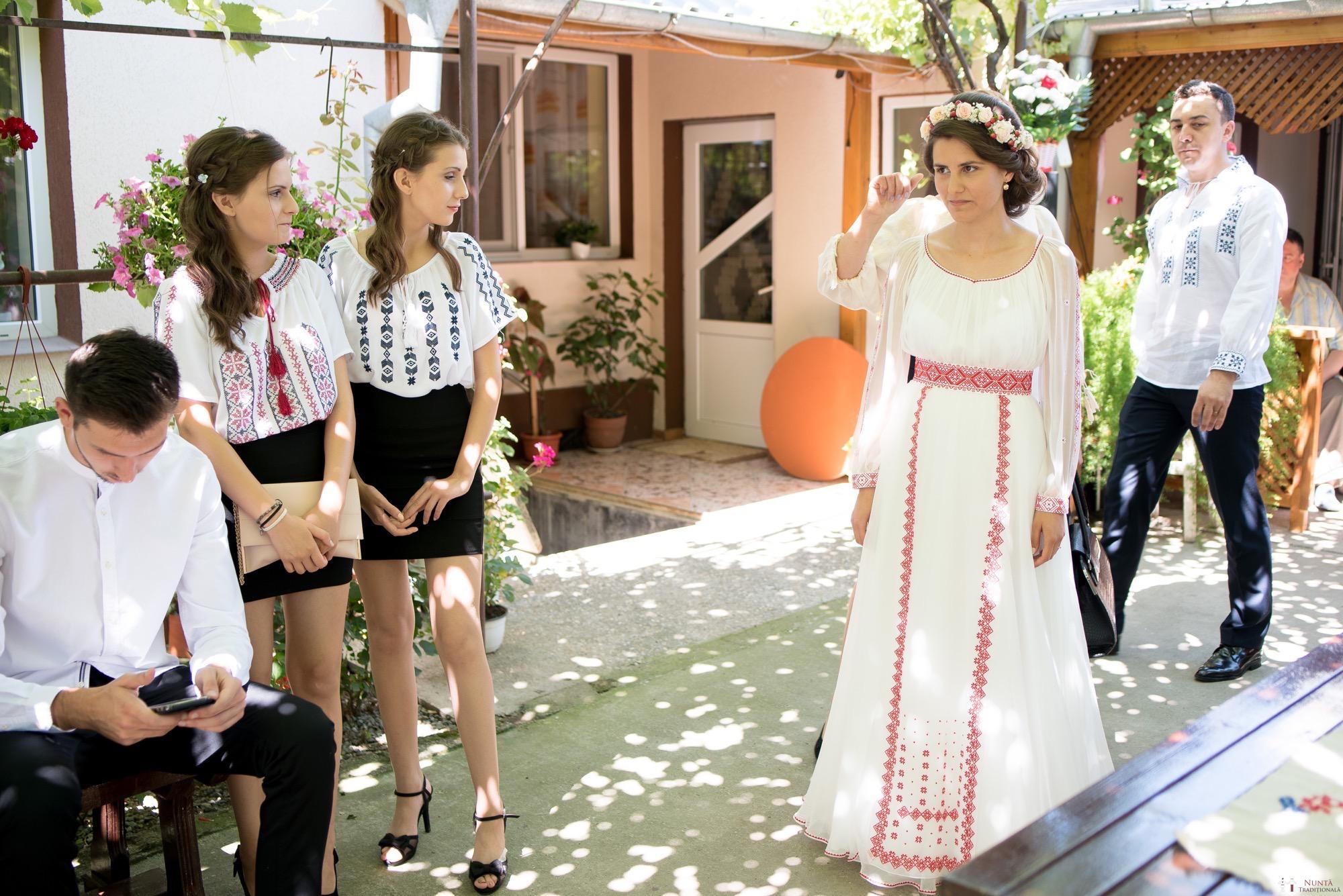 Povești Nunți Tradiționale - Oana și Silviu. Nuntă tradițional românească în București 32