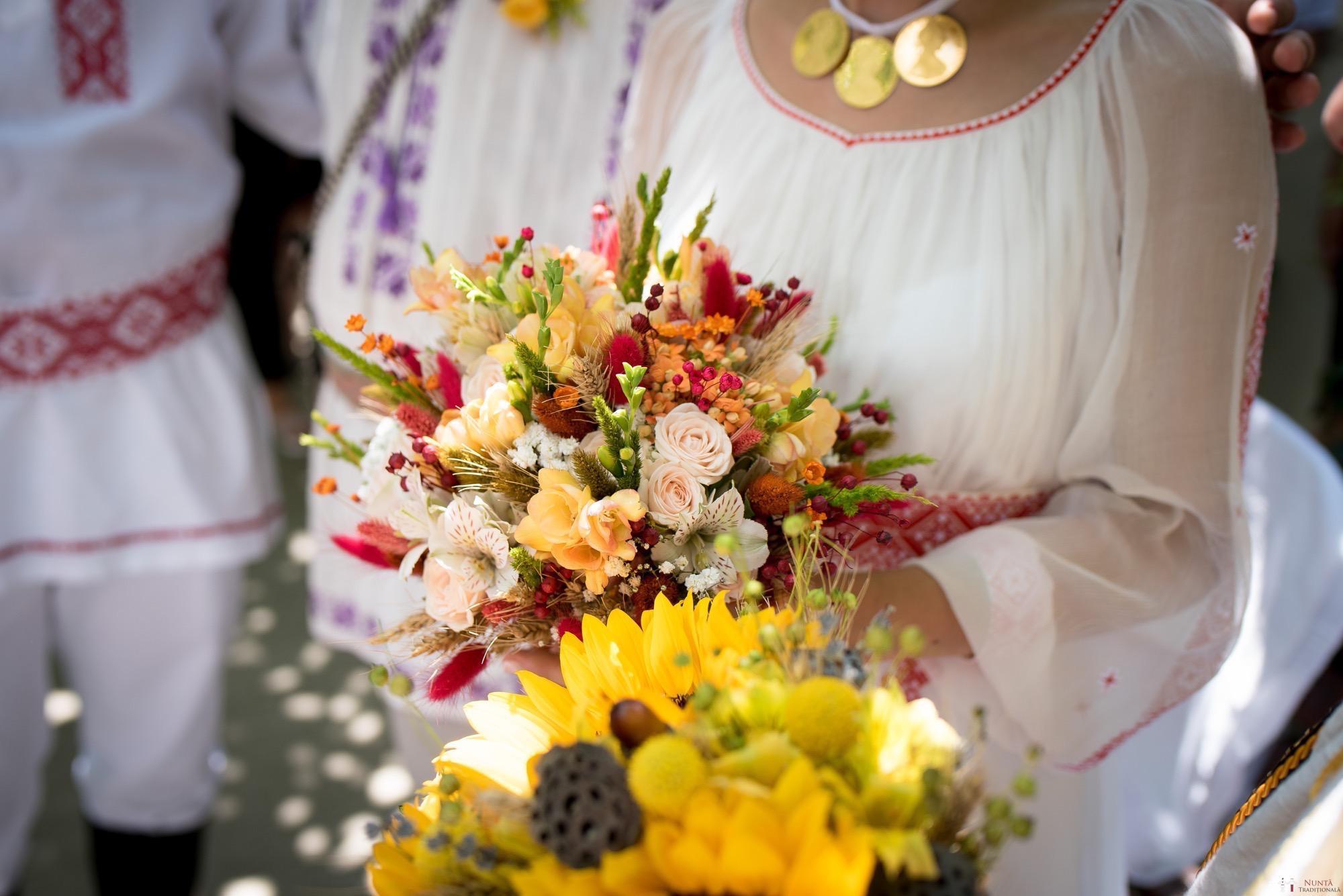 Povești Nunți Tradiționale - Oana și Silviu. Nuntă tradițional românească în București 60