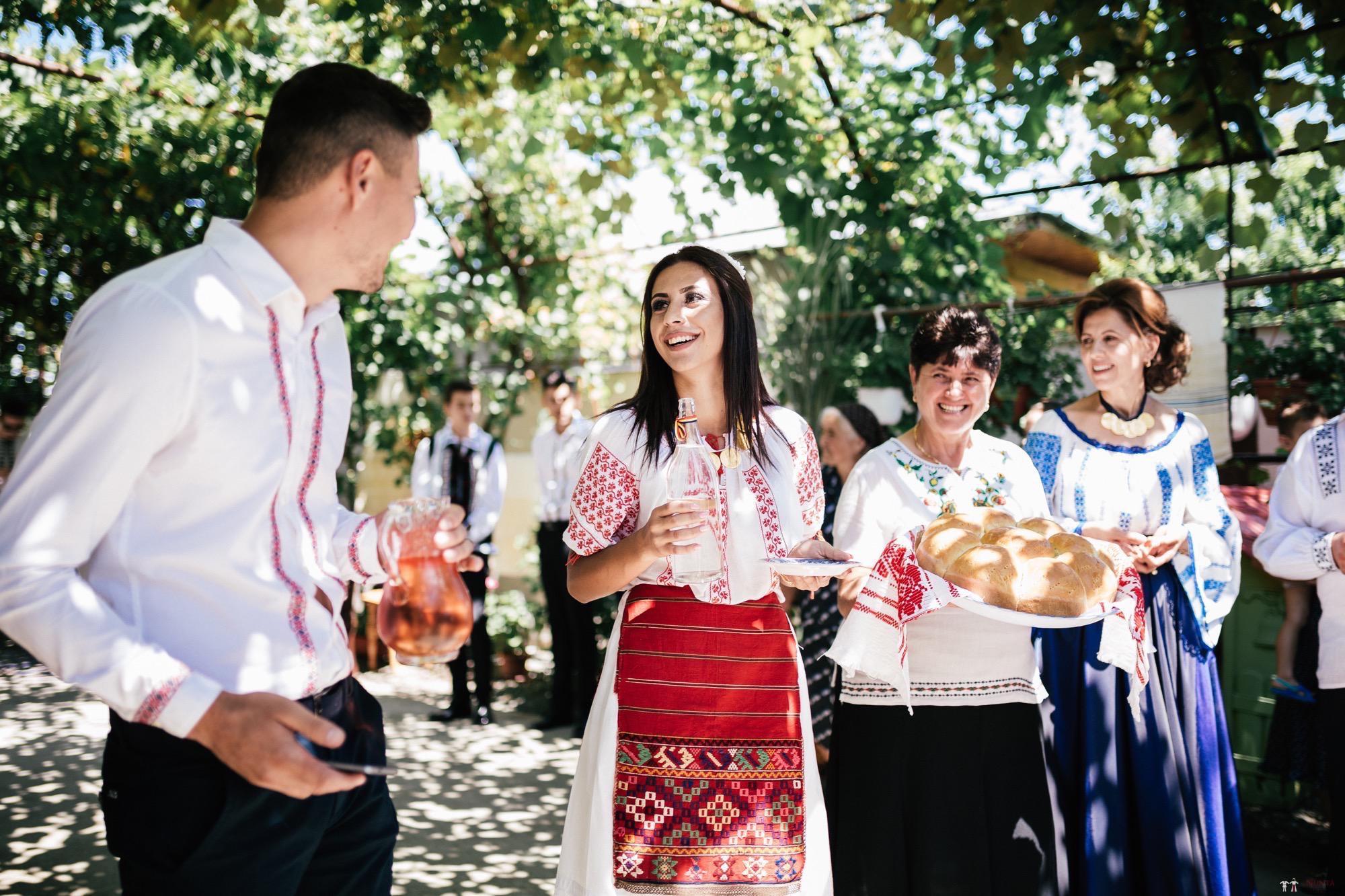 Povești Nunți Tradiționale - Oana și Silviu. Nuntă tradițional românească în București 65