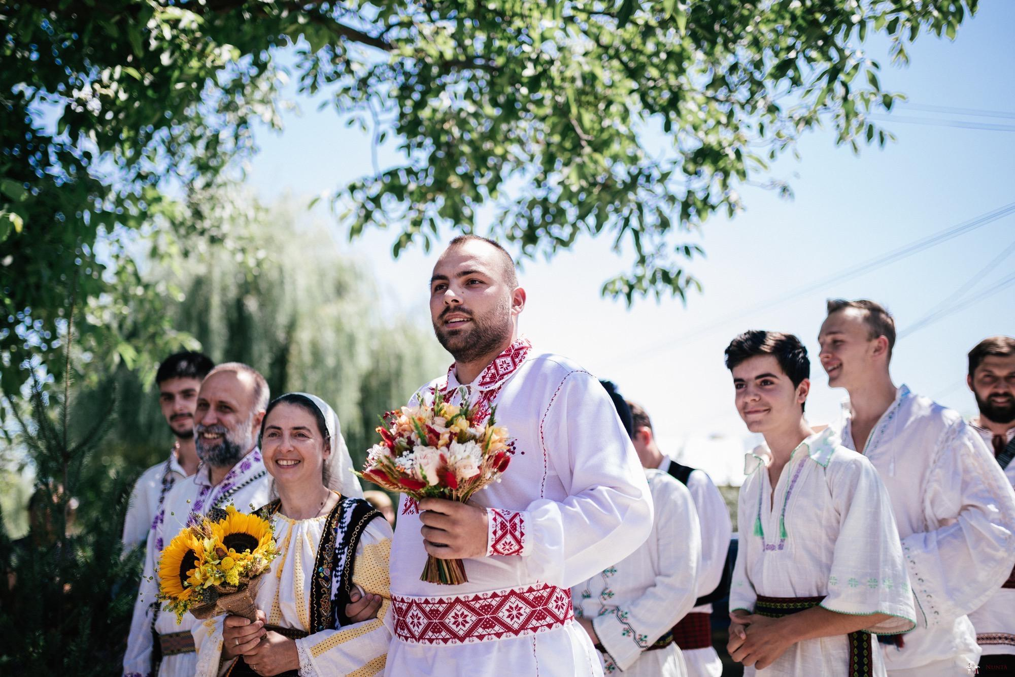 Povești Nunți Tradiționale - Oana și Silviu. Nuntă tradițional românească în București 67