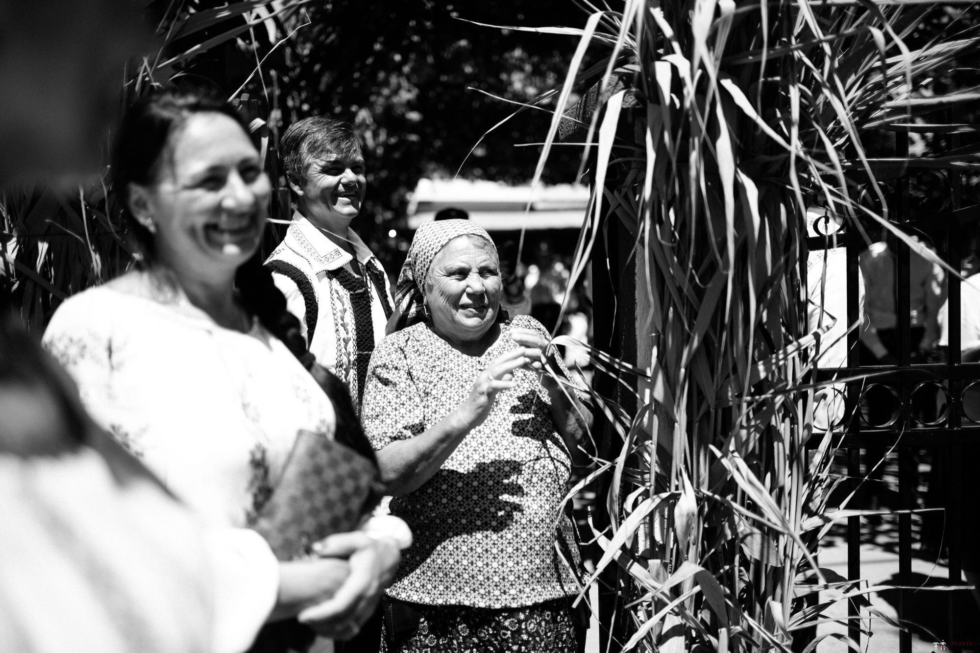 Povești Nunți Tradiționale - Oana și Silviu. Nuntă tradițional românească în București 68
