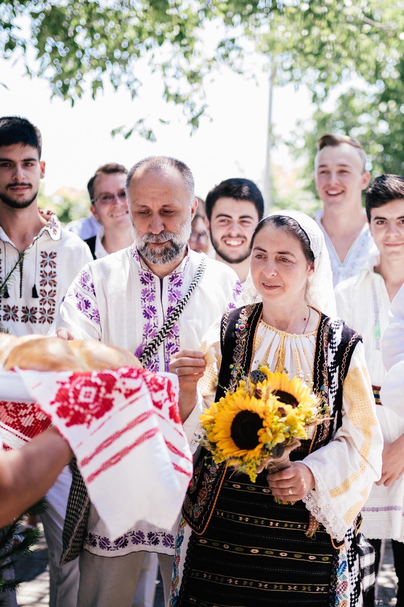 Povești Nunți Tradiționale - Oana și Silviu. Nuntă tradițional românească în București 69