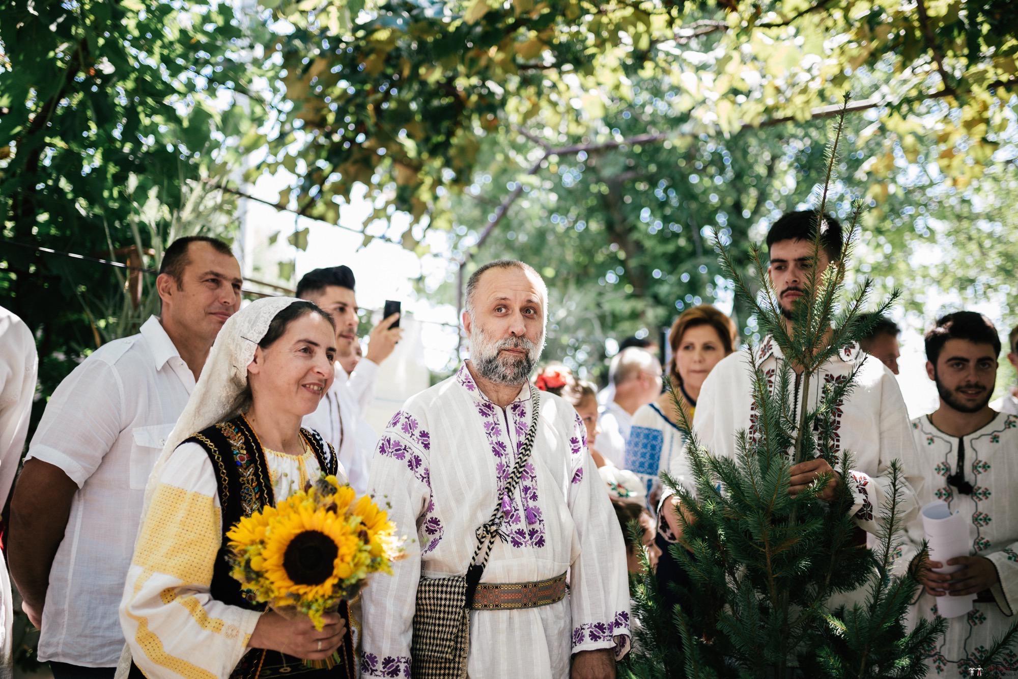 Povești Nunți Tradiționale - Oana și Silviu. Nuntă tradițional românească în București 70