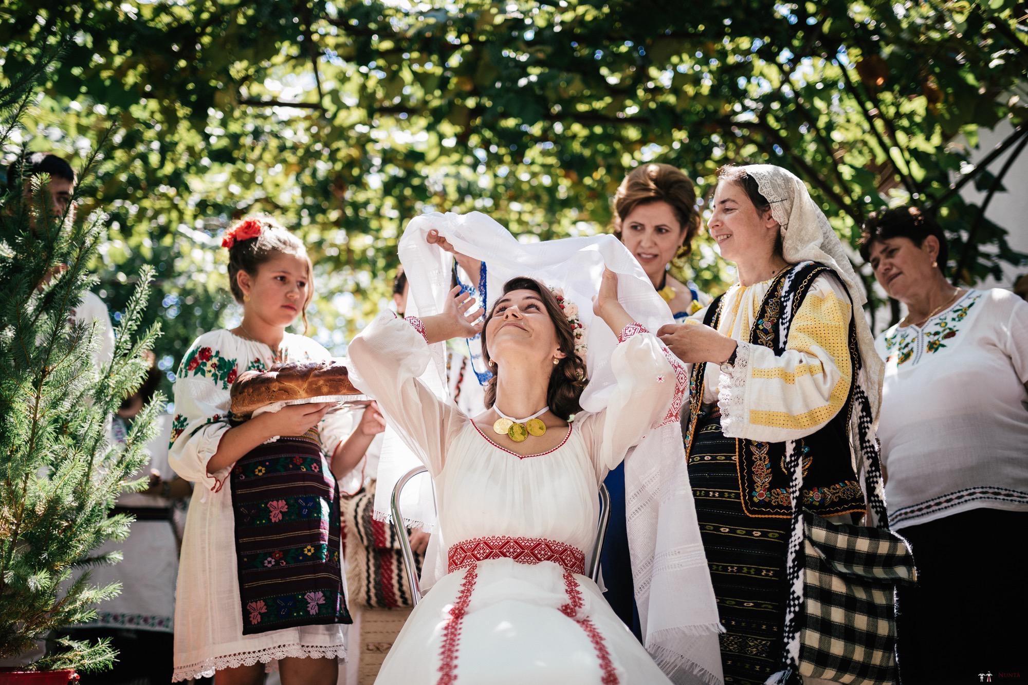Povești Nunți Tradiționale - Oana și Silviu. Nuntă tradițional românească în București 77