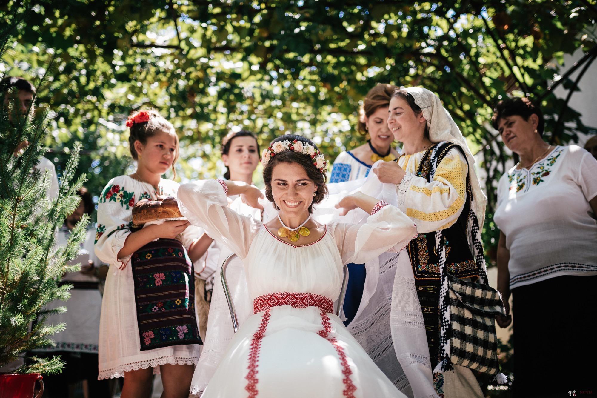 Povești Nunți Tradiționale - Oana și Silviu. Nuntă tradițional românească în București 78