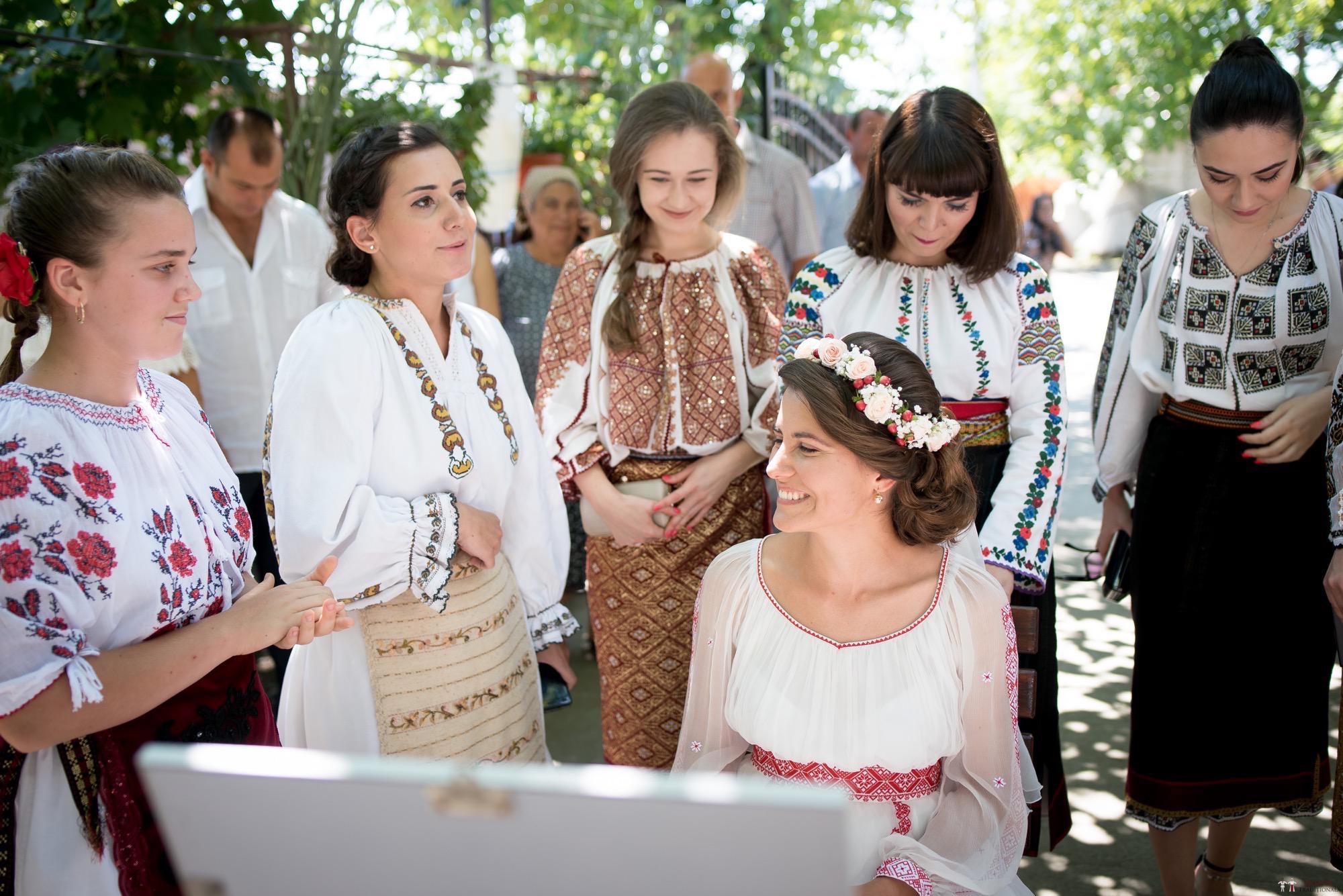 Povești Nunți Tradiționale - Oana și Silviu. Nuntă tradițional românească în București 34