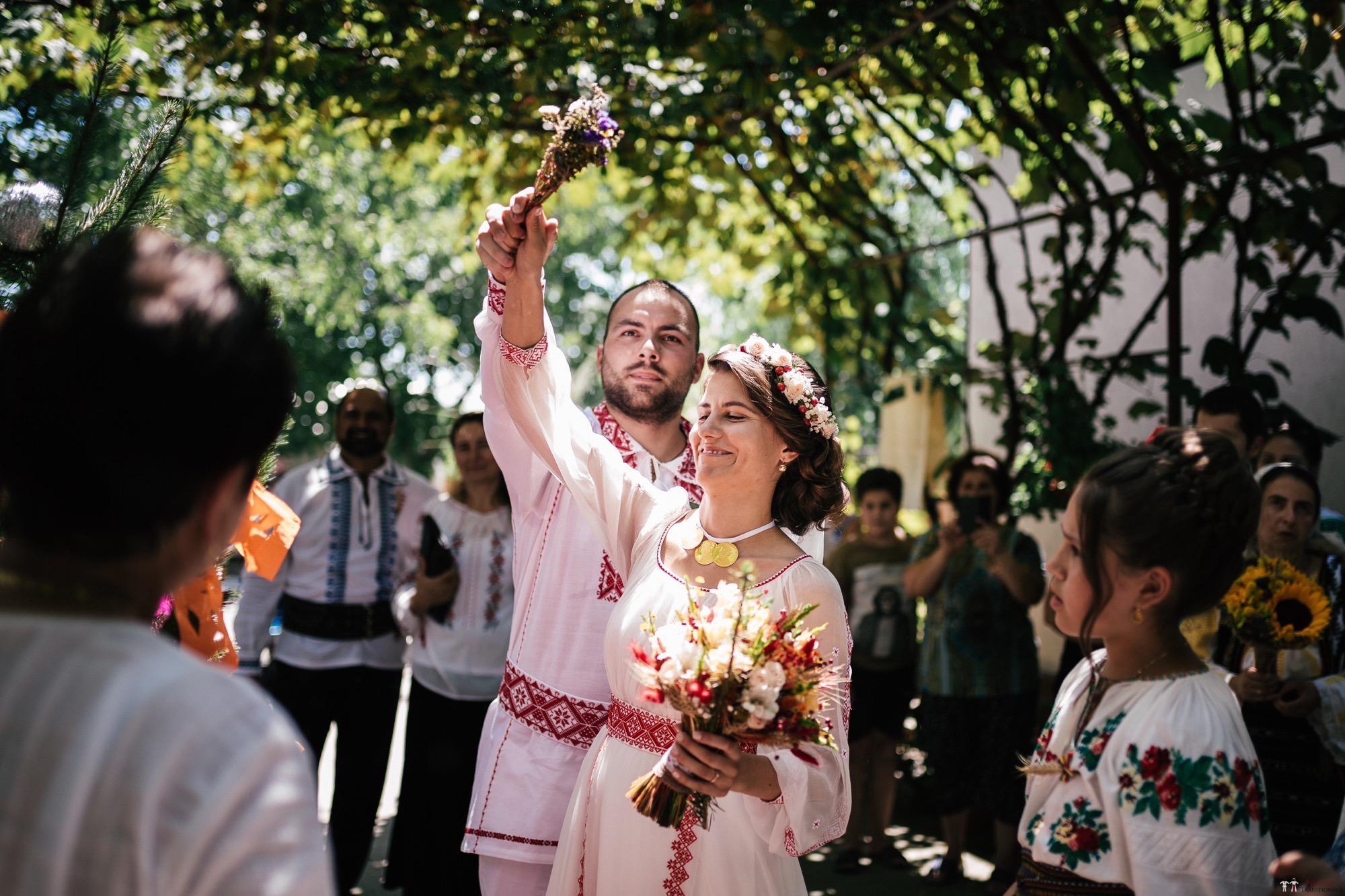 Povești Nunți Tradiționale - Oana și Silviu. Nuntă tradițional românească în București 81