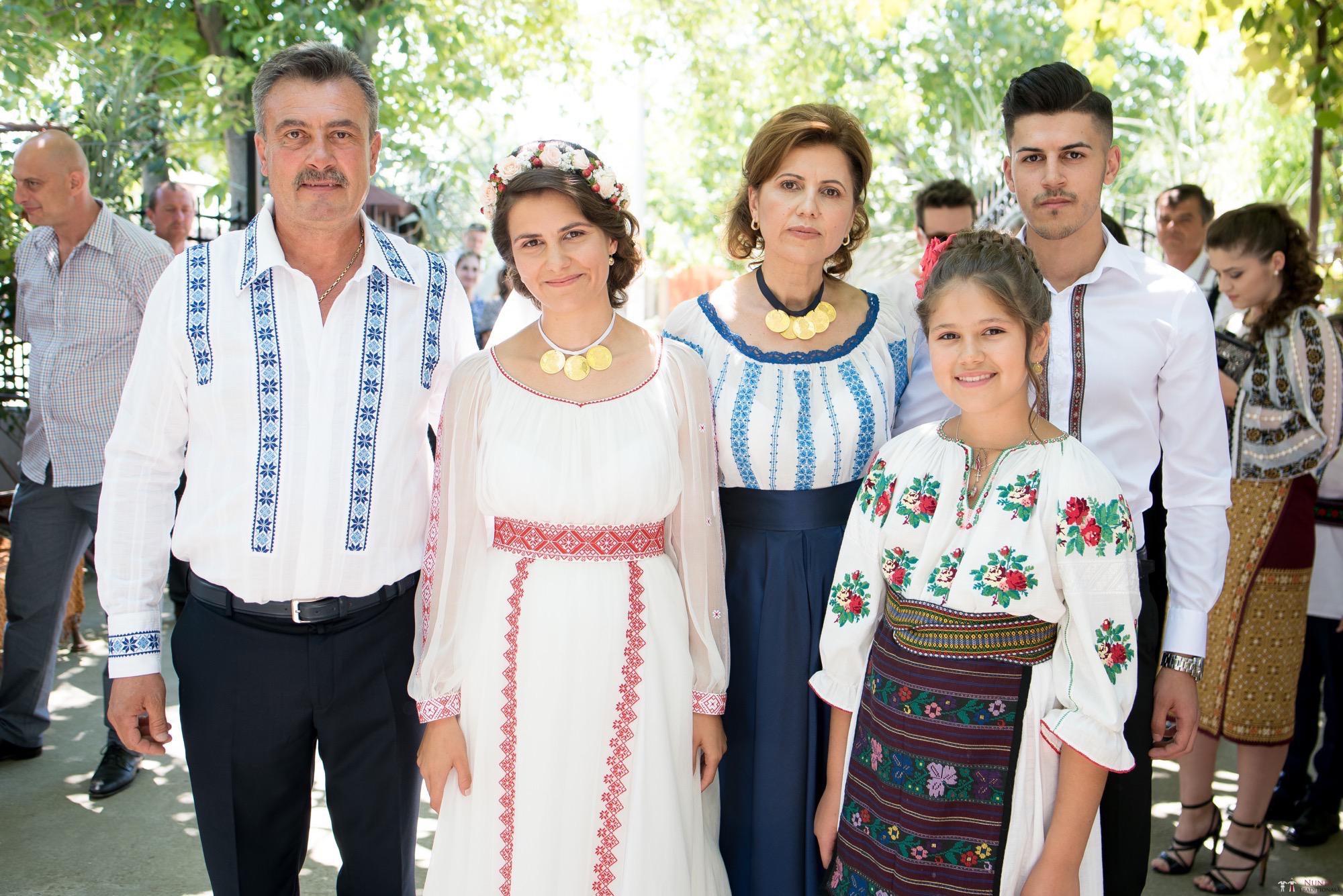 Povești Nunți Tradiționale - Oana și Silviu. Nuntă tradițional românească în București 37