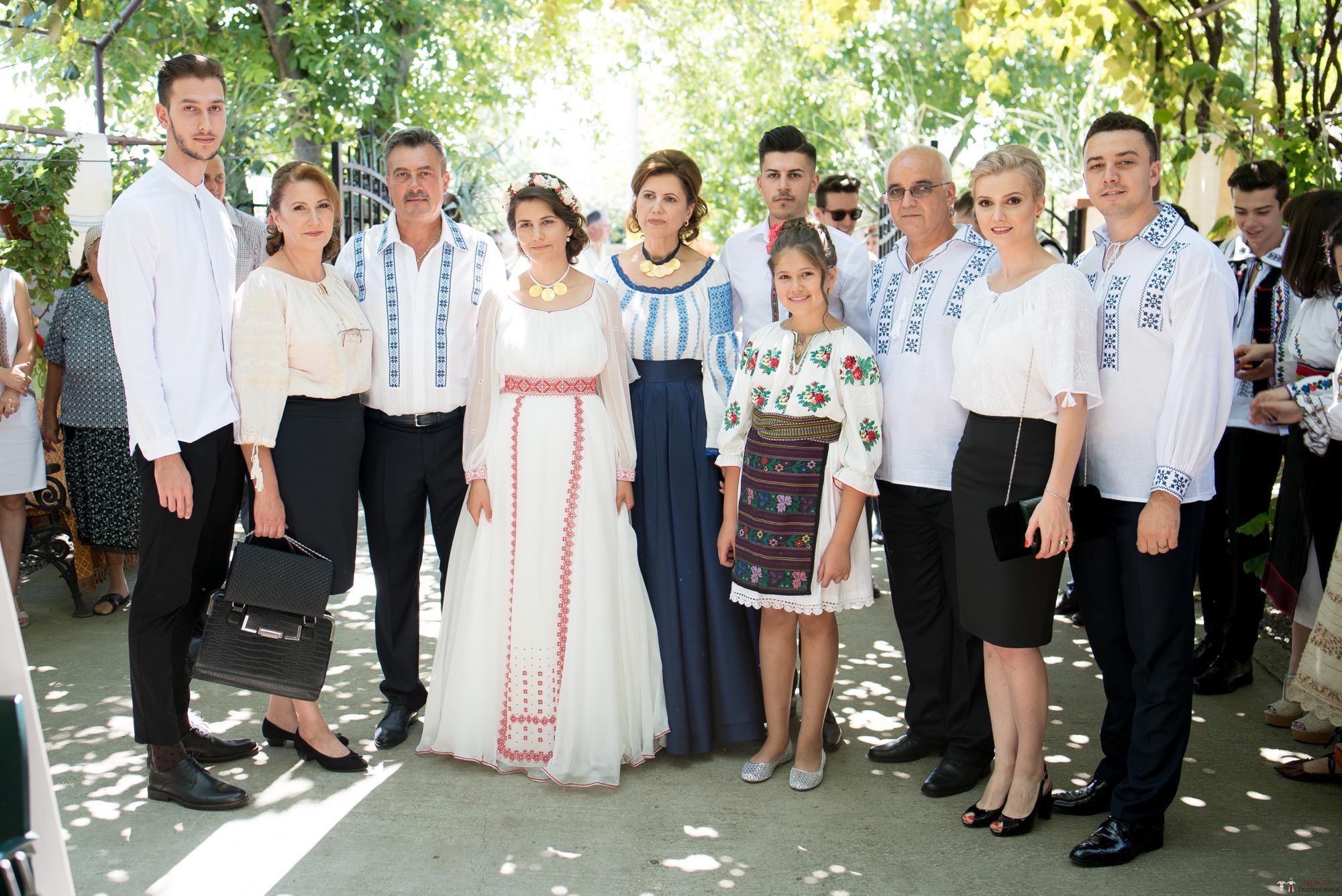 Povești Nunți Tradiționale - Oana și Silviu. Nuntă tradițional românească în București 38