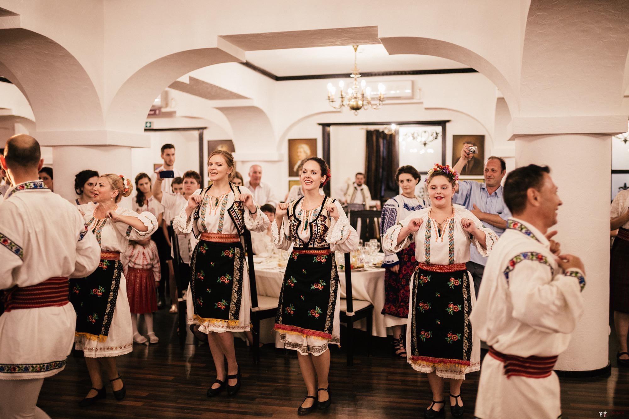 Povești Nunți Tradiționale - Oana și Silviu. Nuntă tradițional românească în București 110