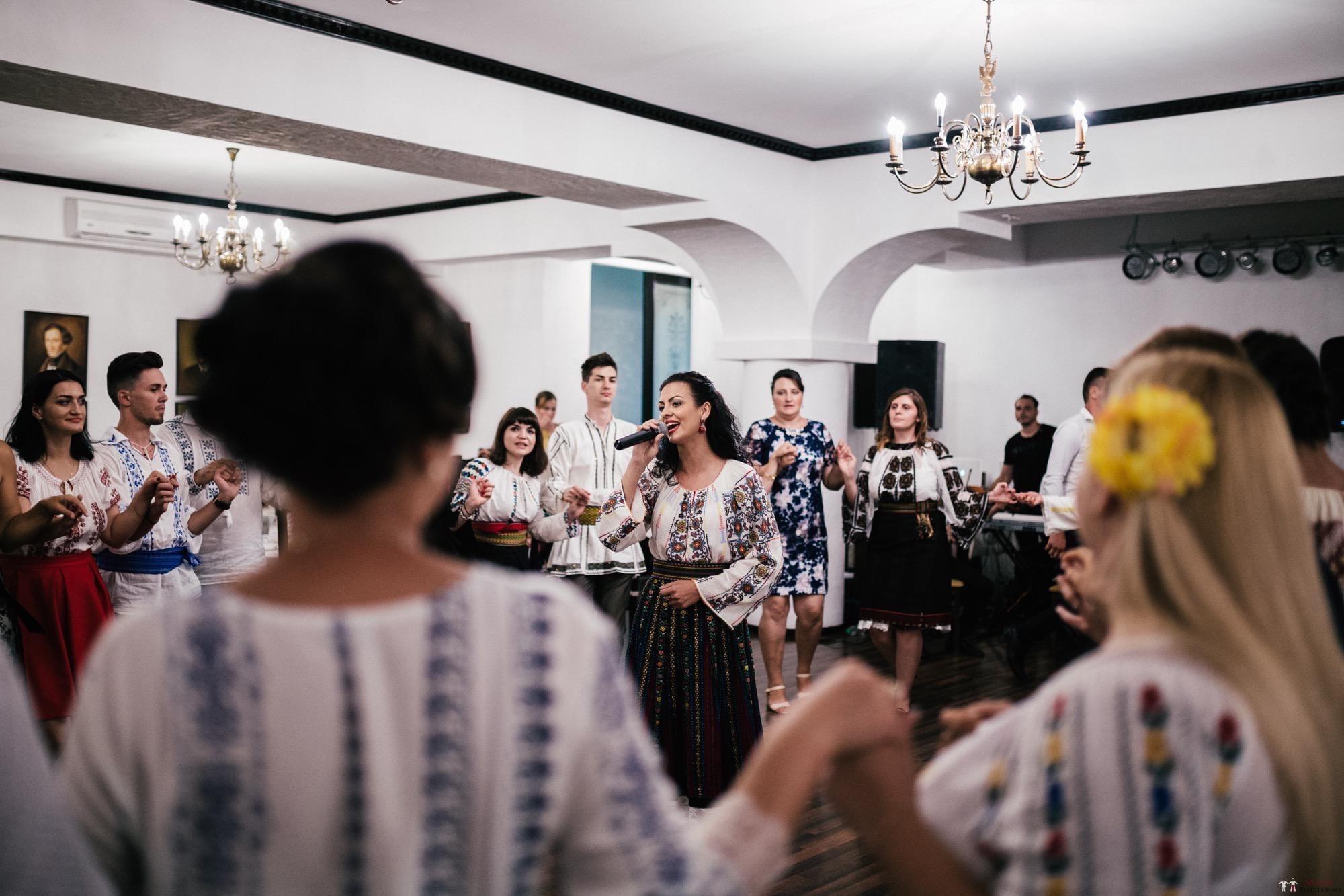 Povești Nunți Tradiționale - Oana și Silviu. Nuntă tradițional românească în București 115