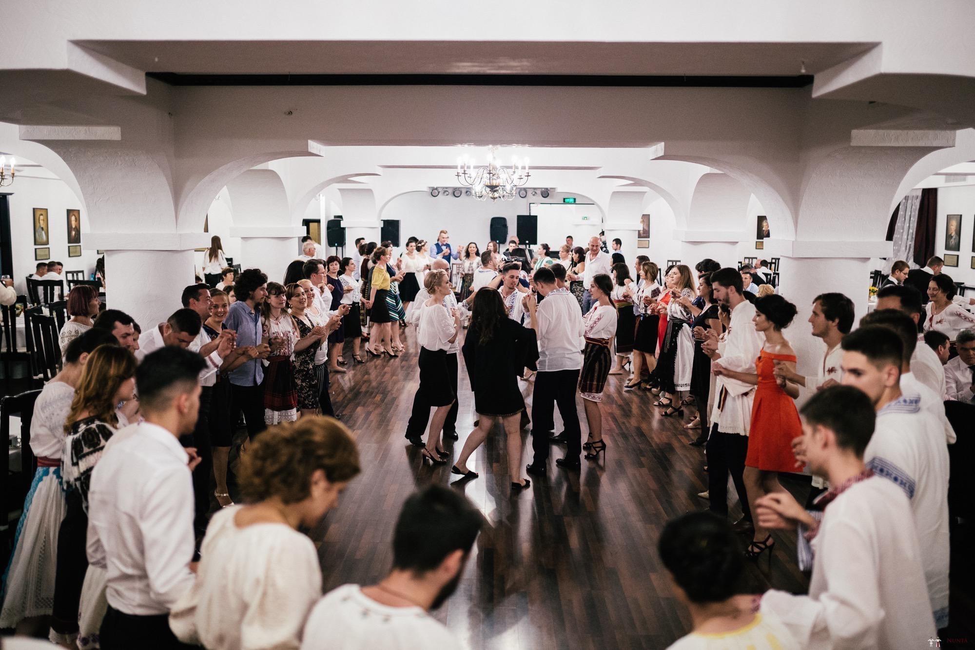 Povești Nunți Tradiționale - Oana și Silviu. Nuntă tradițional românească în București 117