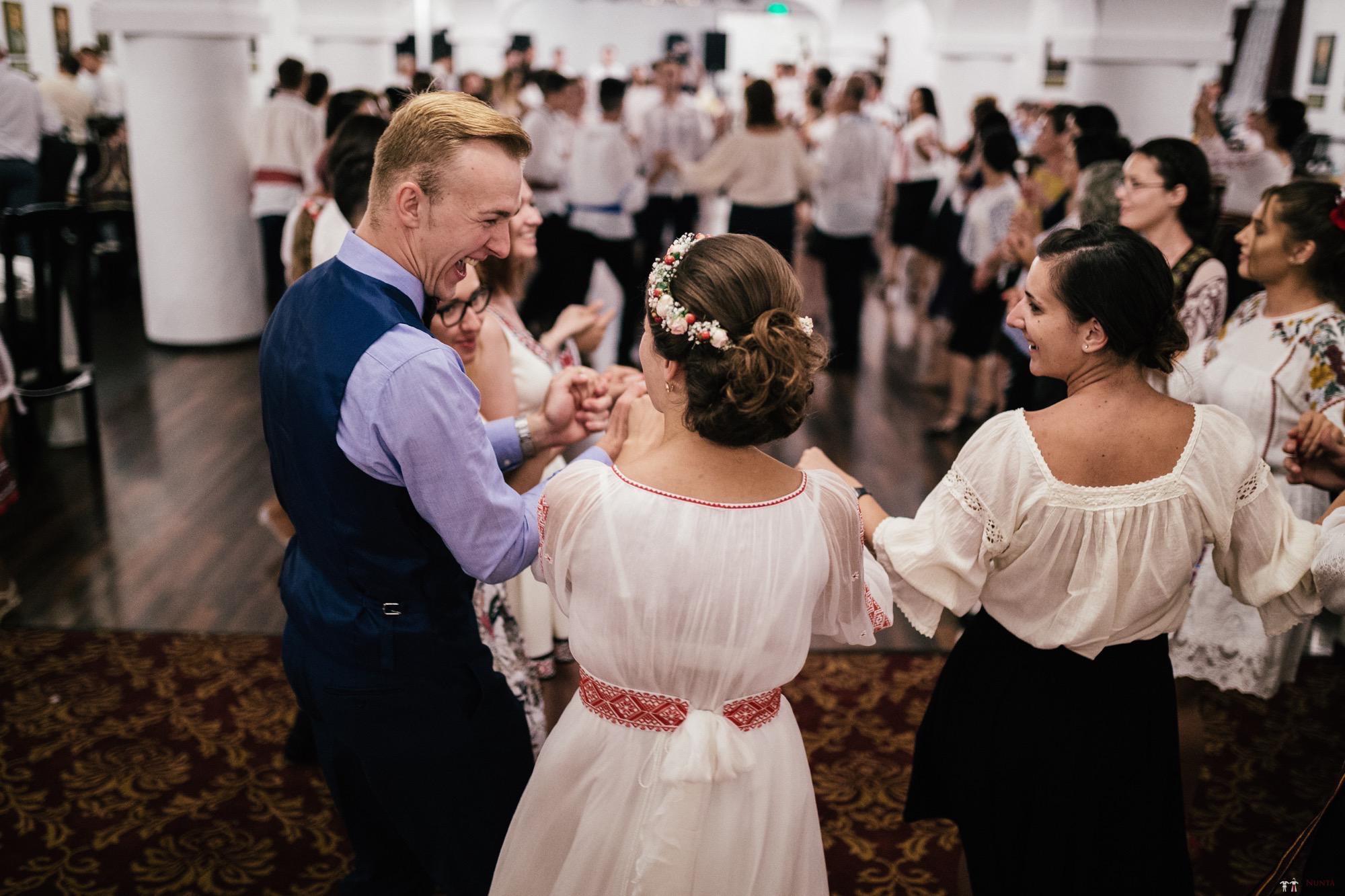 Povești Nunți Tradiționale - Oana și Silviu. Nuntă tradițional românească în București 118
