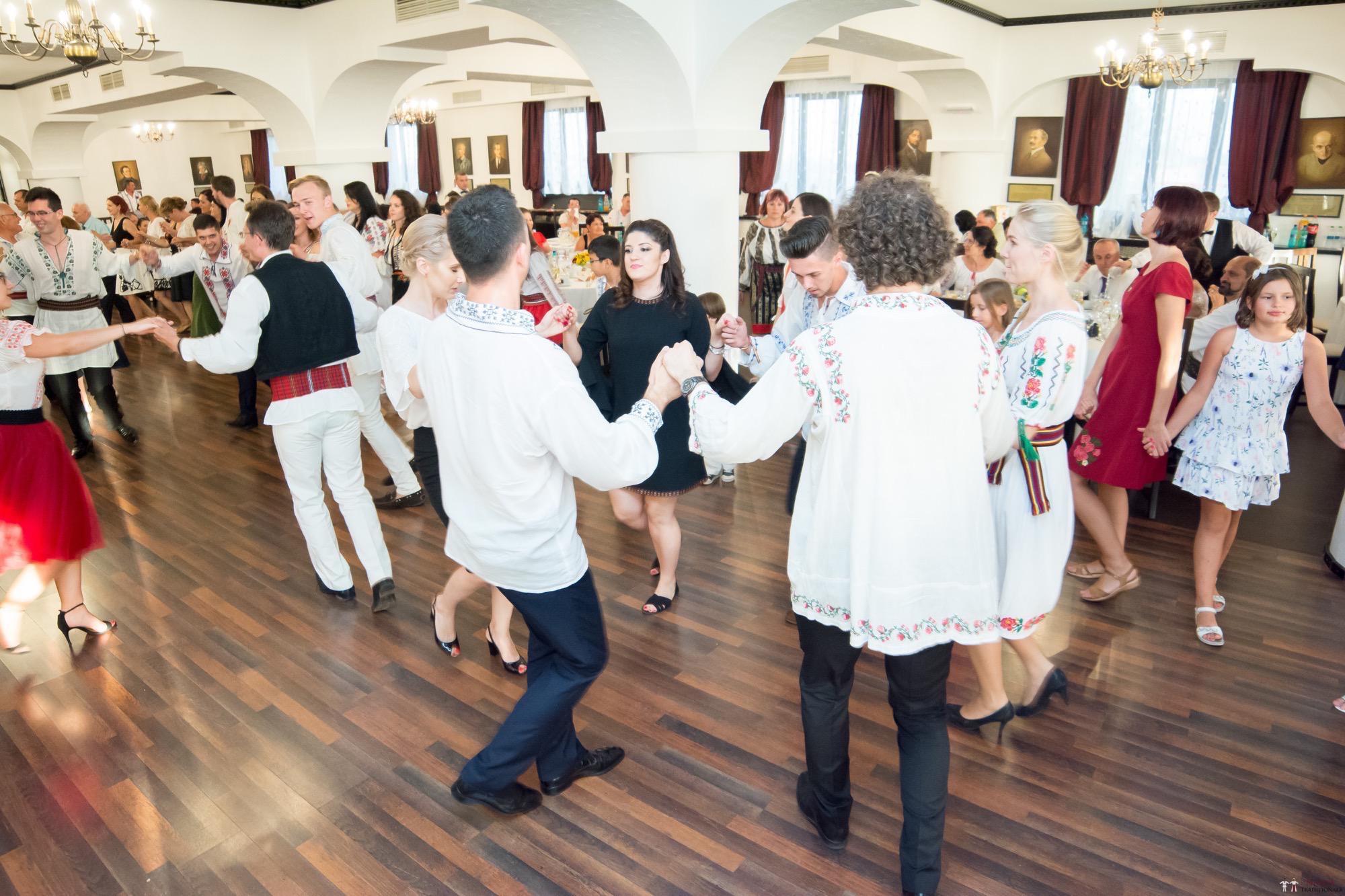 Povești Nunți Tradiționale - Oana și Silviu. Nuntă tradițional românească în București 94