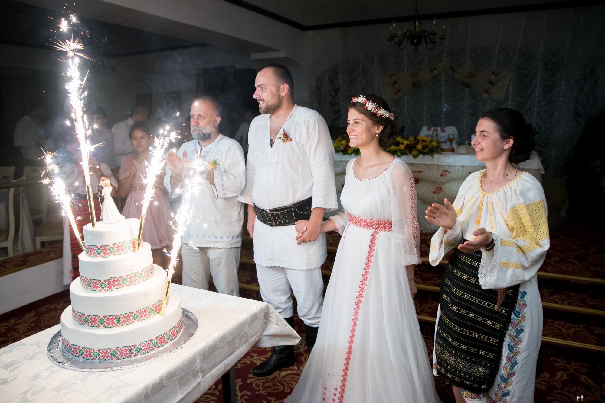 Povești Nunți Tradiționale - Oana și Silviu. Nuntă tradițional românească în București 97
