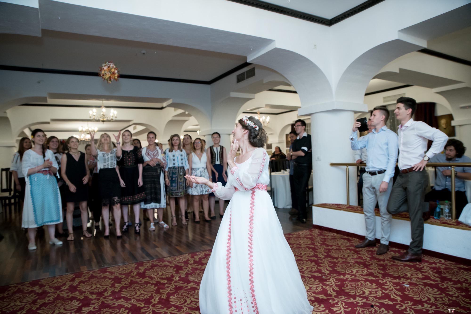 Povești Nunți Tradiționale - Oana și Silviu. Nuntă tradițional românească în București 98