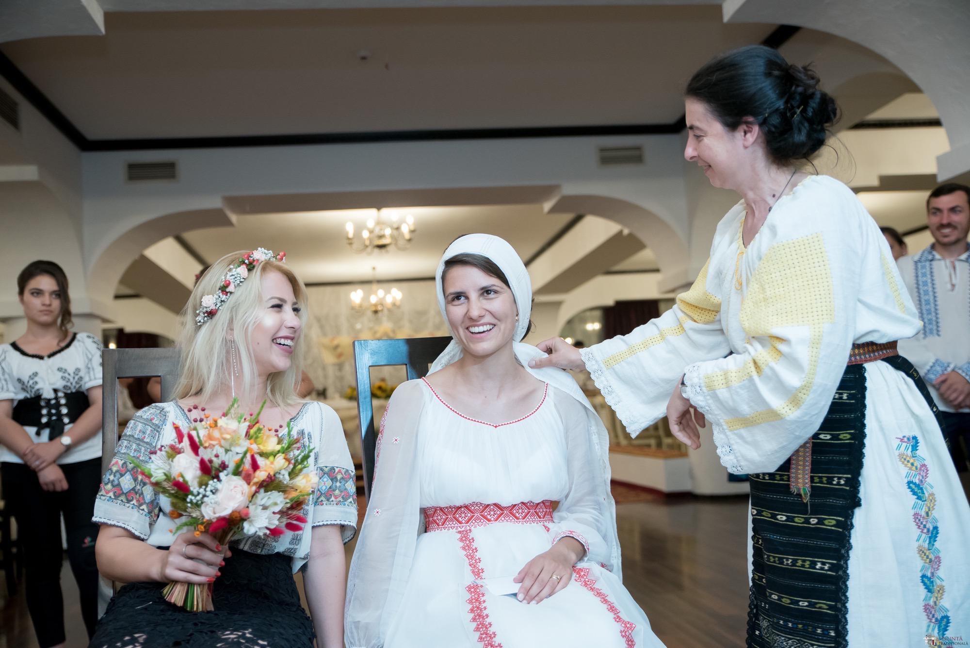 Povești Nunți Tradiționale - Oana și Silviu. Nuntă tradițional românească în București 99