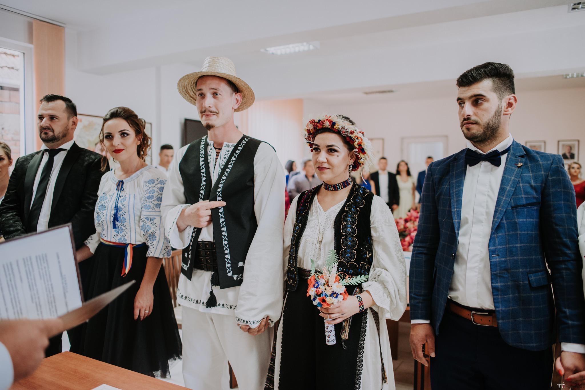 Povești Nunți Tradiționale - Silvia și Adrian. Nuntă tradițională în Ghighișeni, Bihor 31