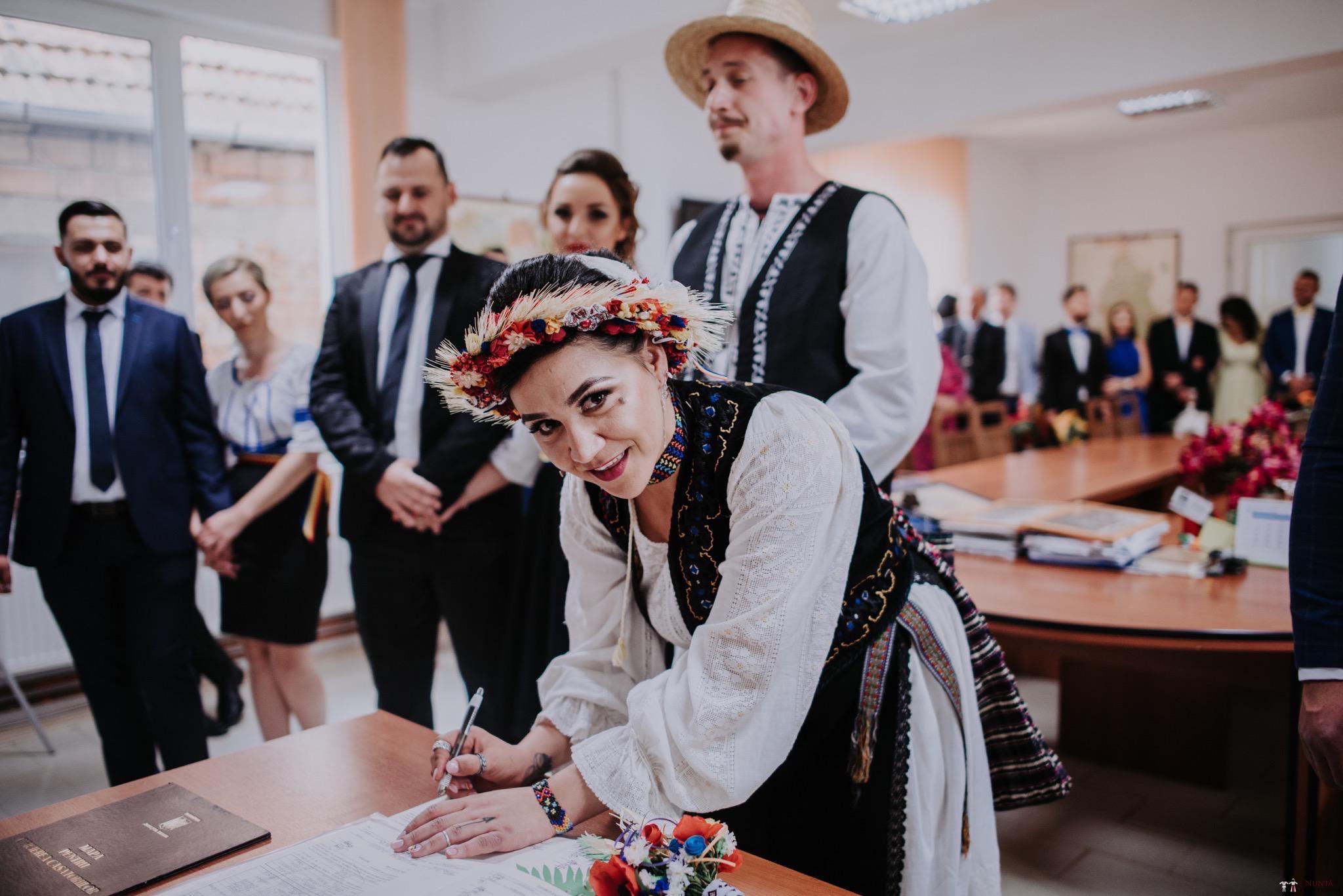 Povești Nunți Tradiționale - Silvia și Adrian. Nuntă tradițională în Ghighișeni, Bihor 33