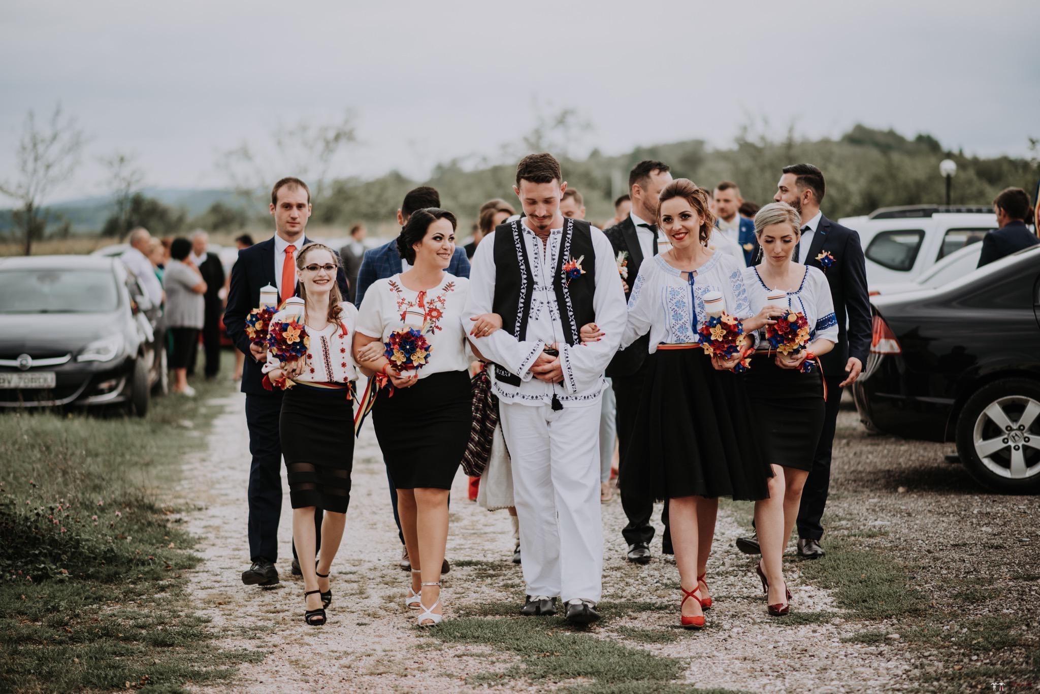 Povești Nunți Tradiționale - Silvia și Adrian. Nuntă tradițională în Ghighișeni, Bihor 44