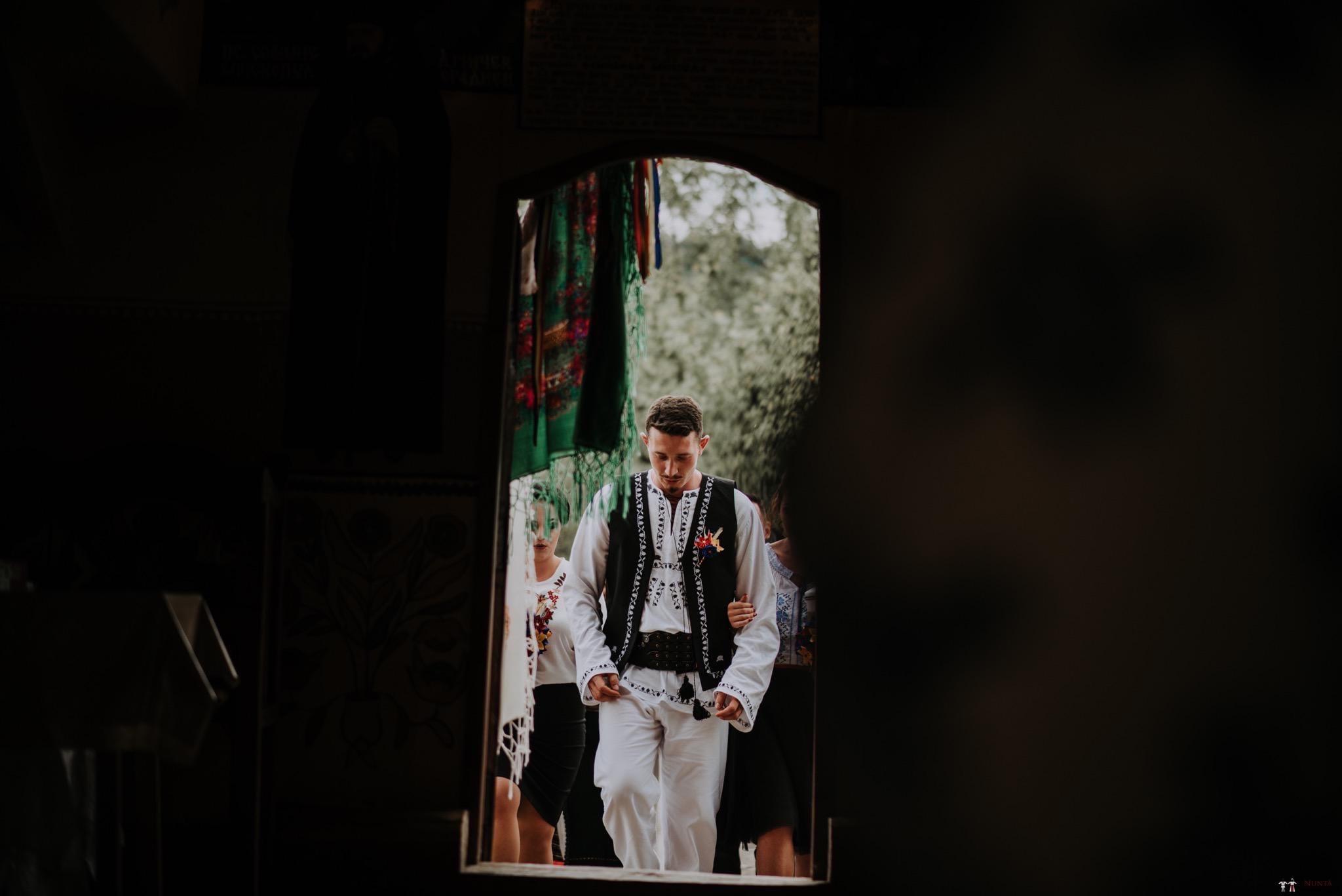 Povești Nunți Tradiționale - Silvia și Adrian. Nuntă tradițională în Ghighișeni, Bihor 45