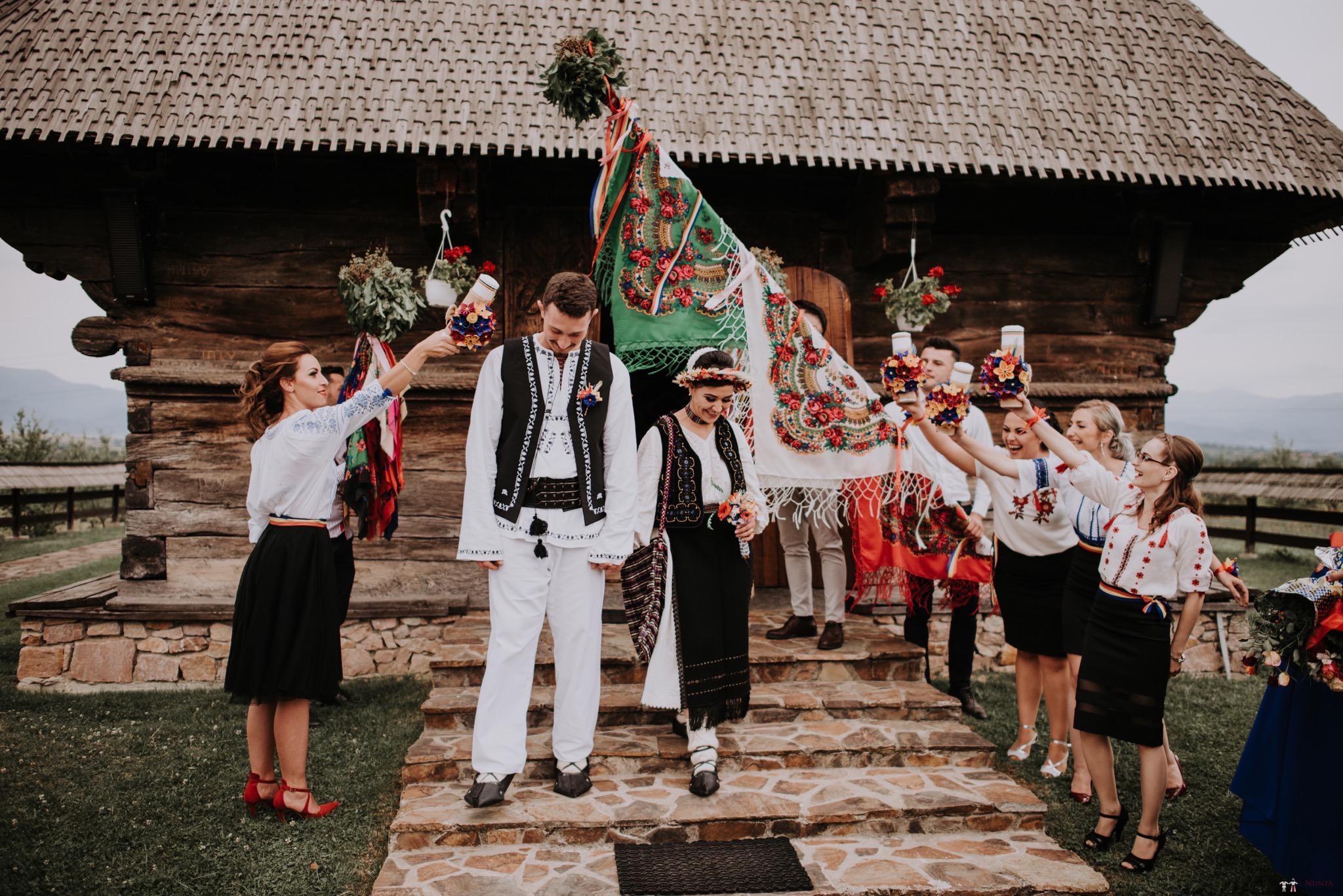 Povești Nunți Tradiționale - Silvia și Adrian. Nuntă tradițională în Ghighișeni, Bihor 56