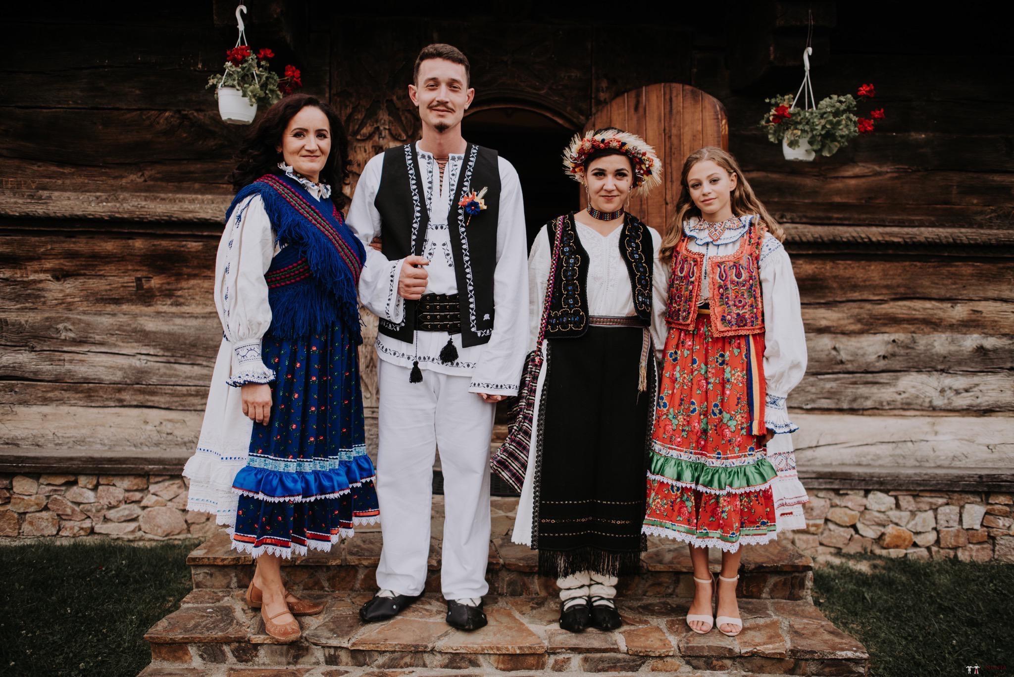 Povești Nunți Tradiționale - Silvia și Adrian. Nuntă tradițională în Ghighișeni, Bihor 58